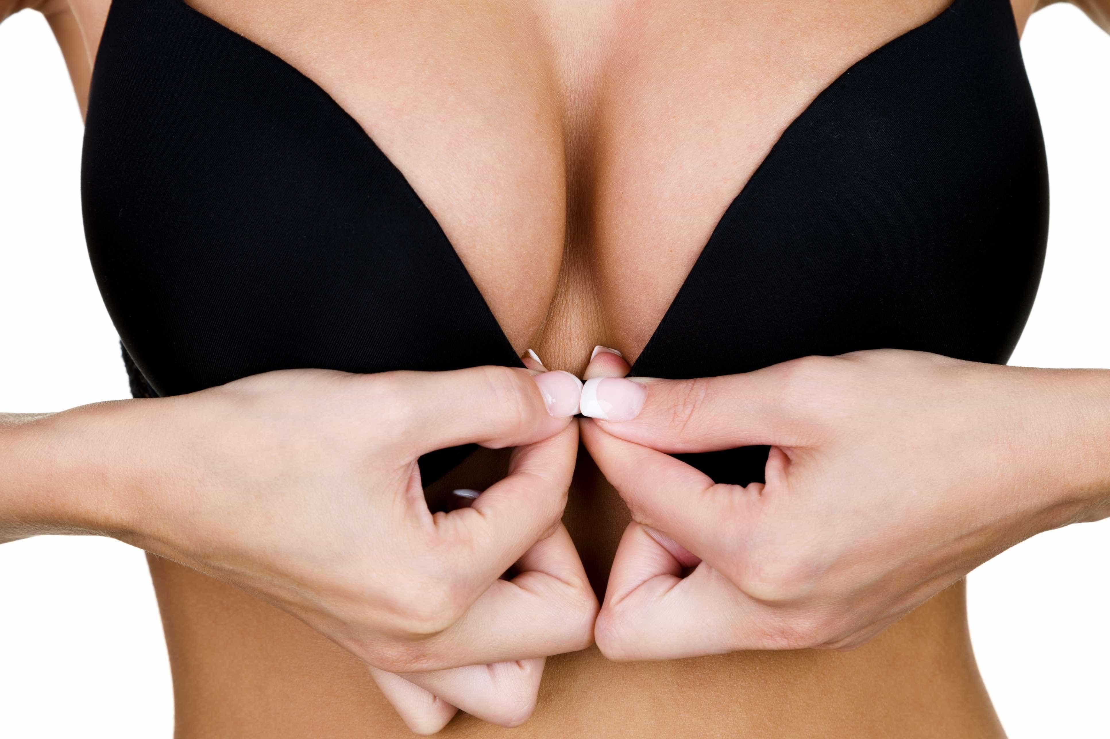 A leitora perguntou: Beber leite de coco aumenta os seios?