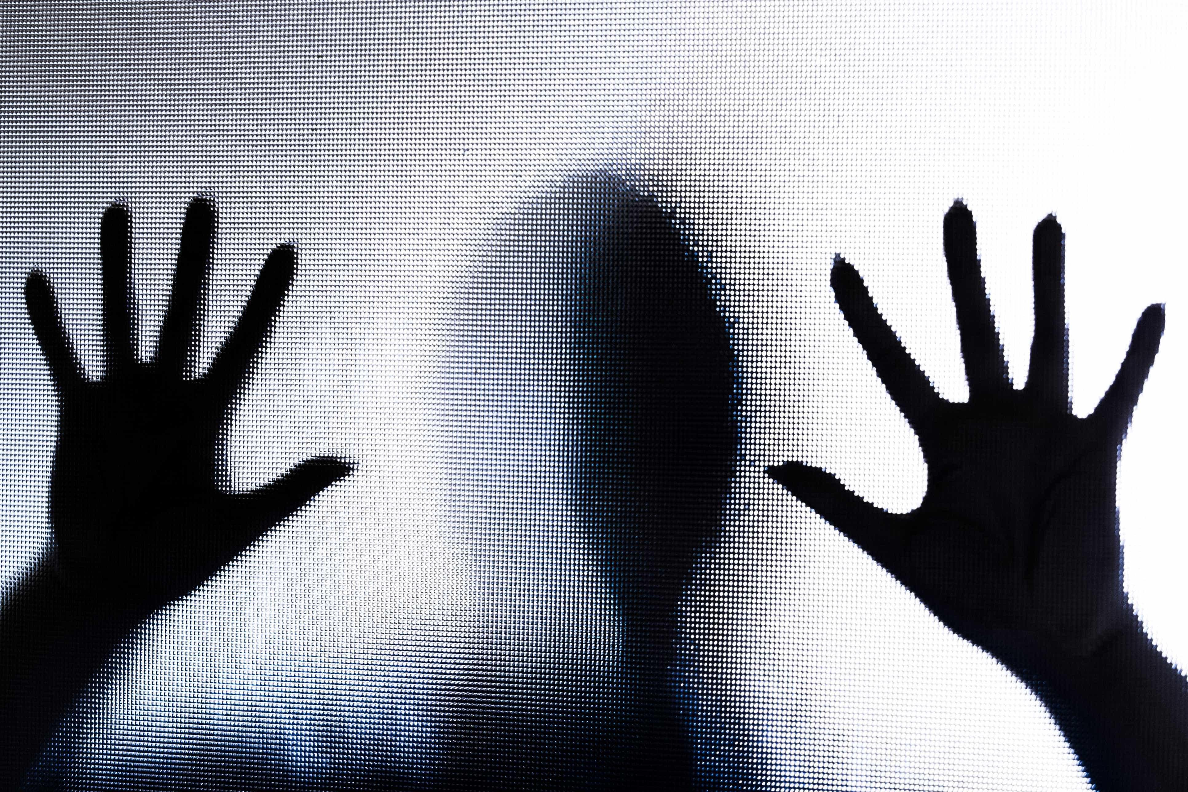 Mulher vítima de violência doméstica mata marido agressor com 185 facadas