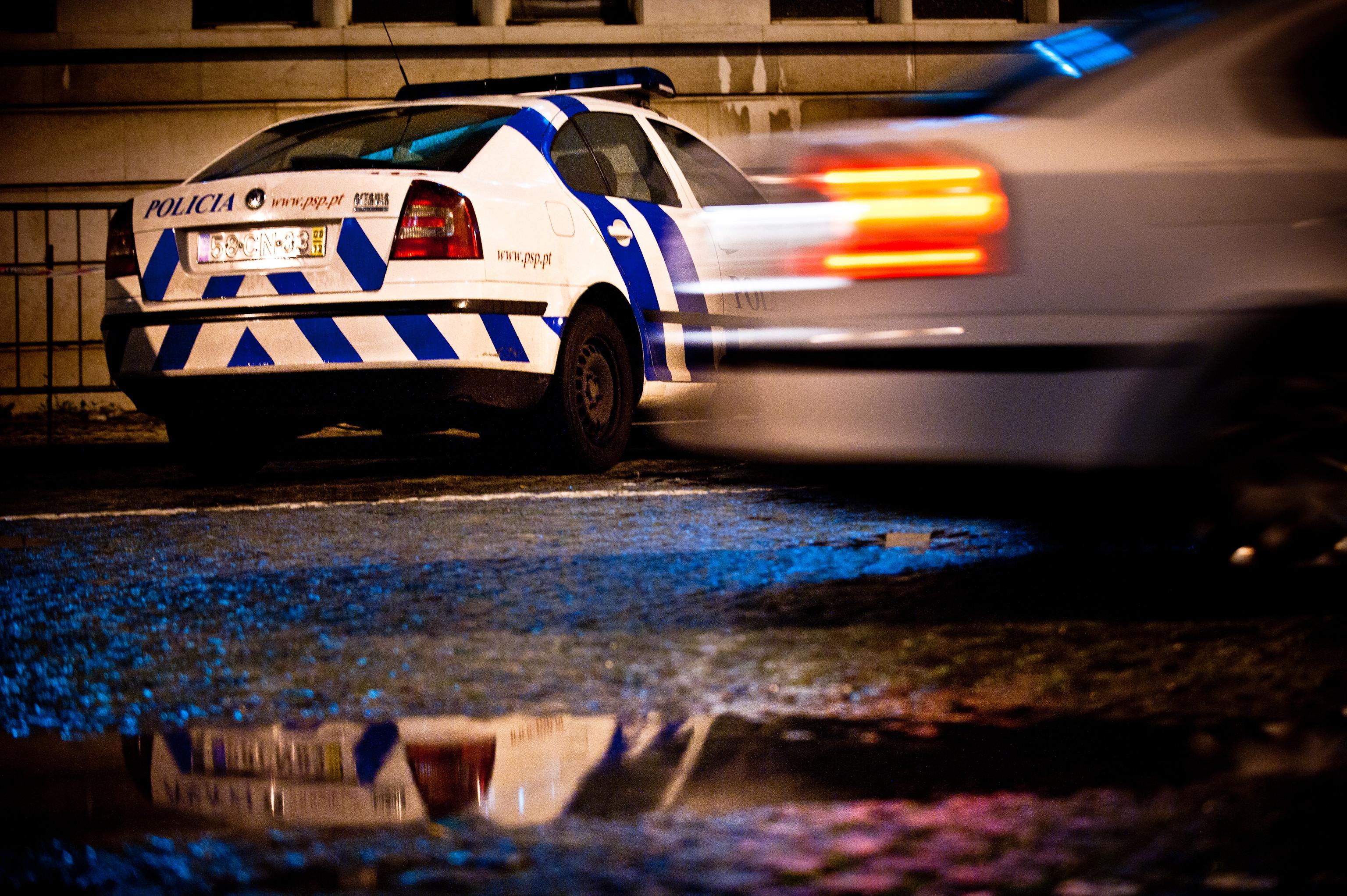 Perseguição policial na A1 faz quatro feridos e condiciona trânsito