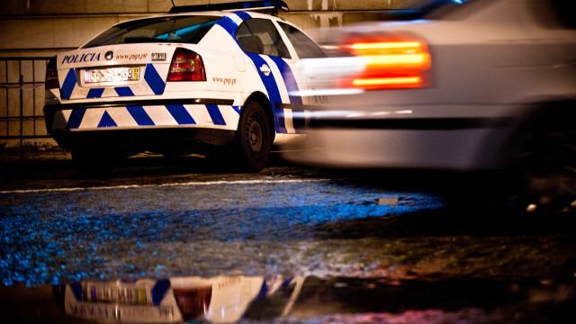 Colisão com carro da PSP faz sete feridos. Dois agentes em estado grave