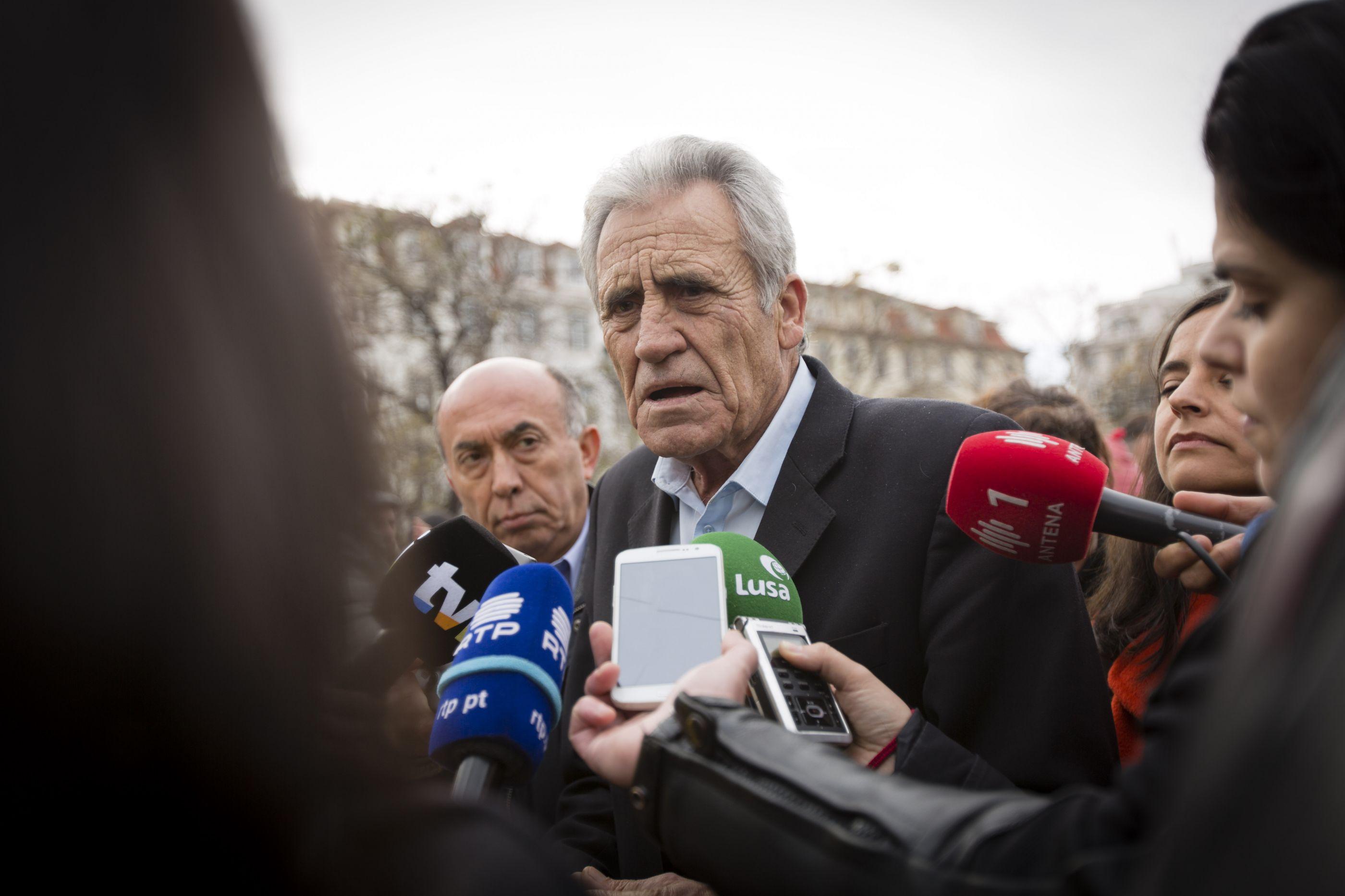 PCP disponível para acompanhar pedido de exoneração de Carlos Costa