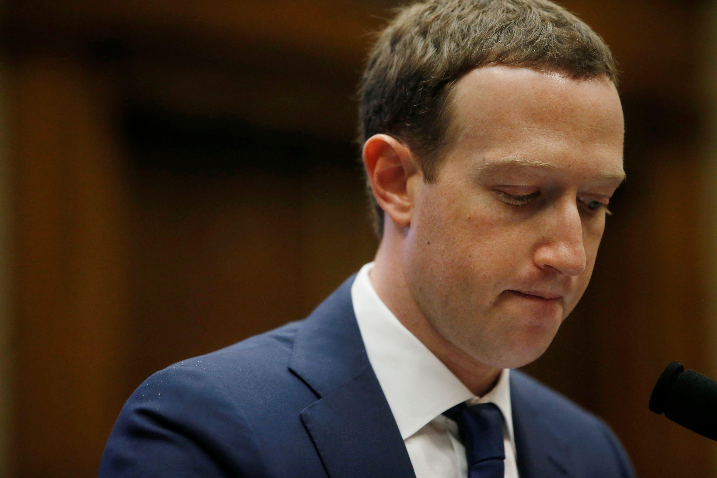 Facebook prepara restrições a vídeos transmitidos em direto