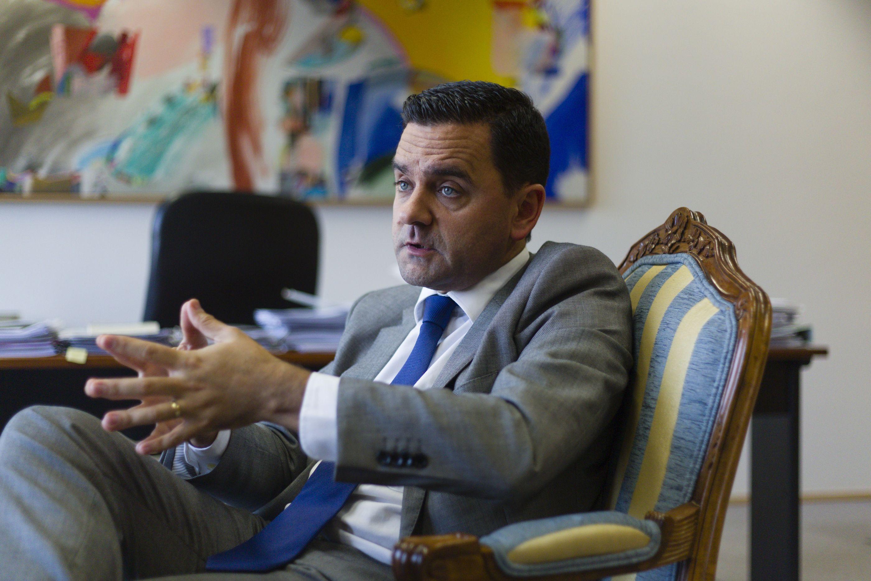 Parlamento chama ministro Pedro Marques à comissão de inquérito à TAP