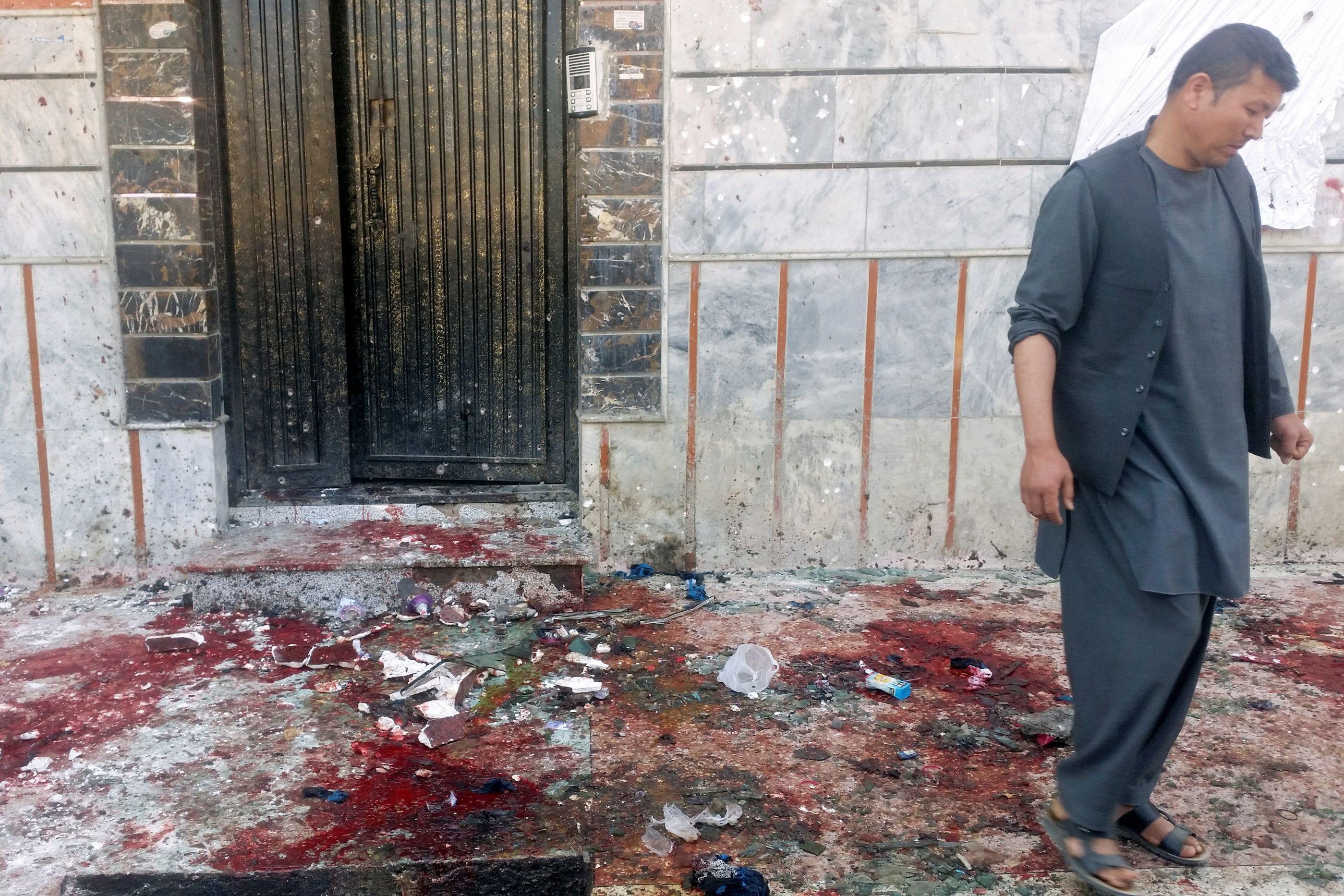 Explosão de bomba mata dois altos responsáveis no Afeganistão
