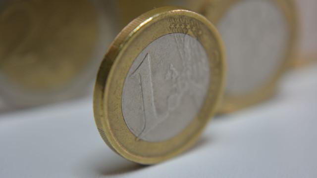 Euro recua após divulgação de números da inflação