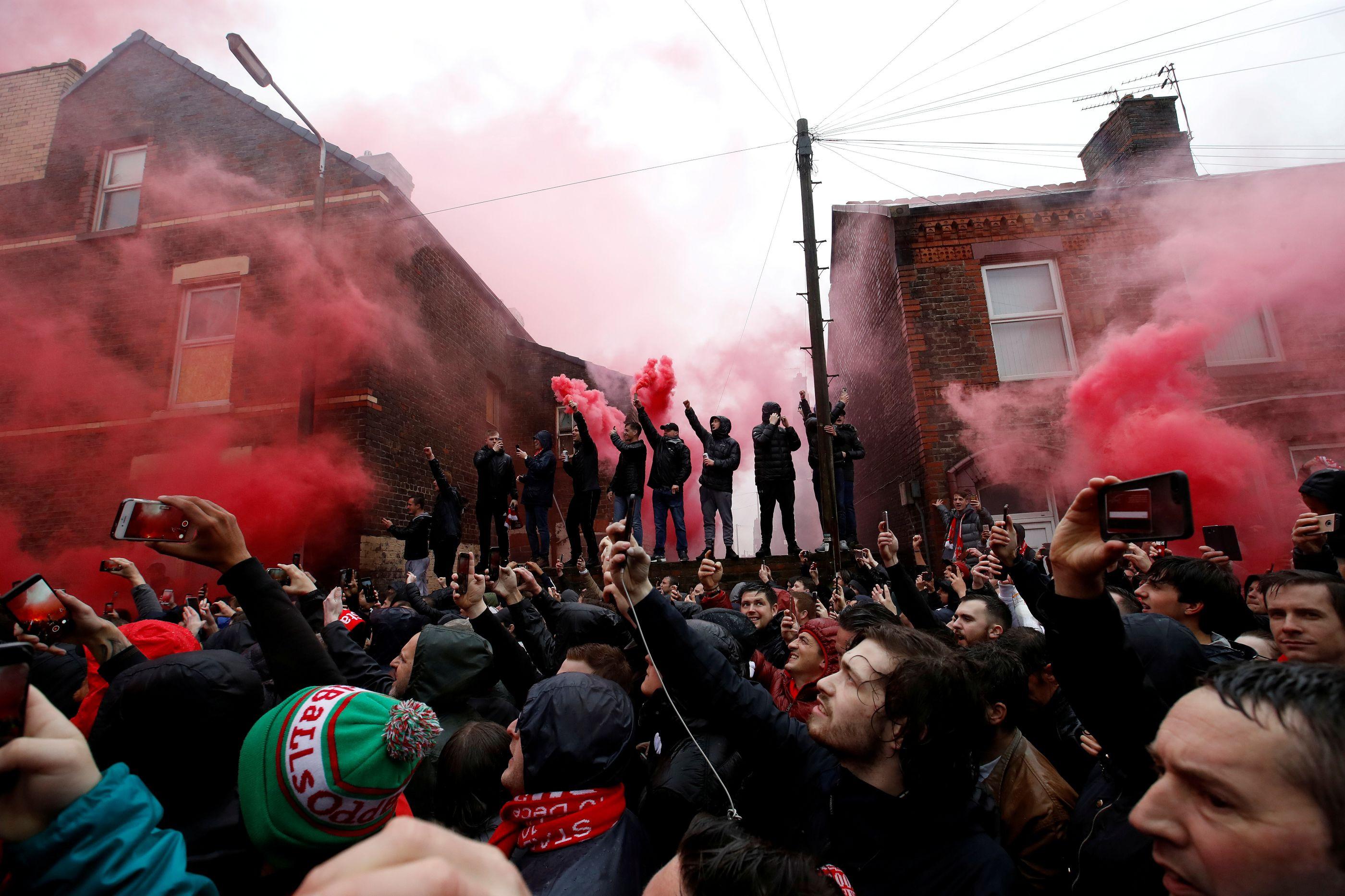 AS Roma doa 150 mil euros a família de adepto do Liverpool agredido