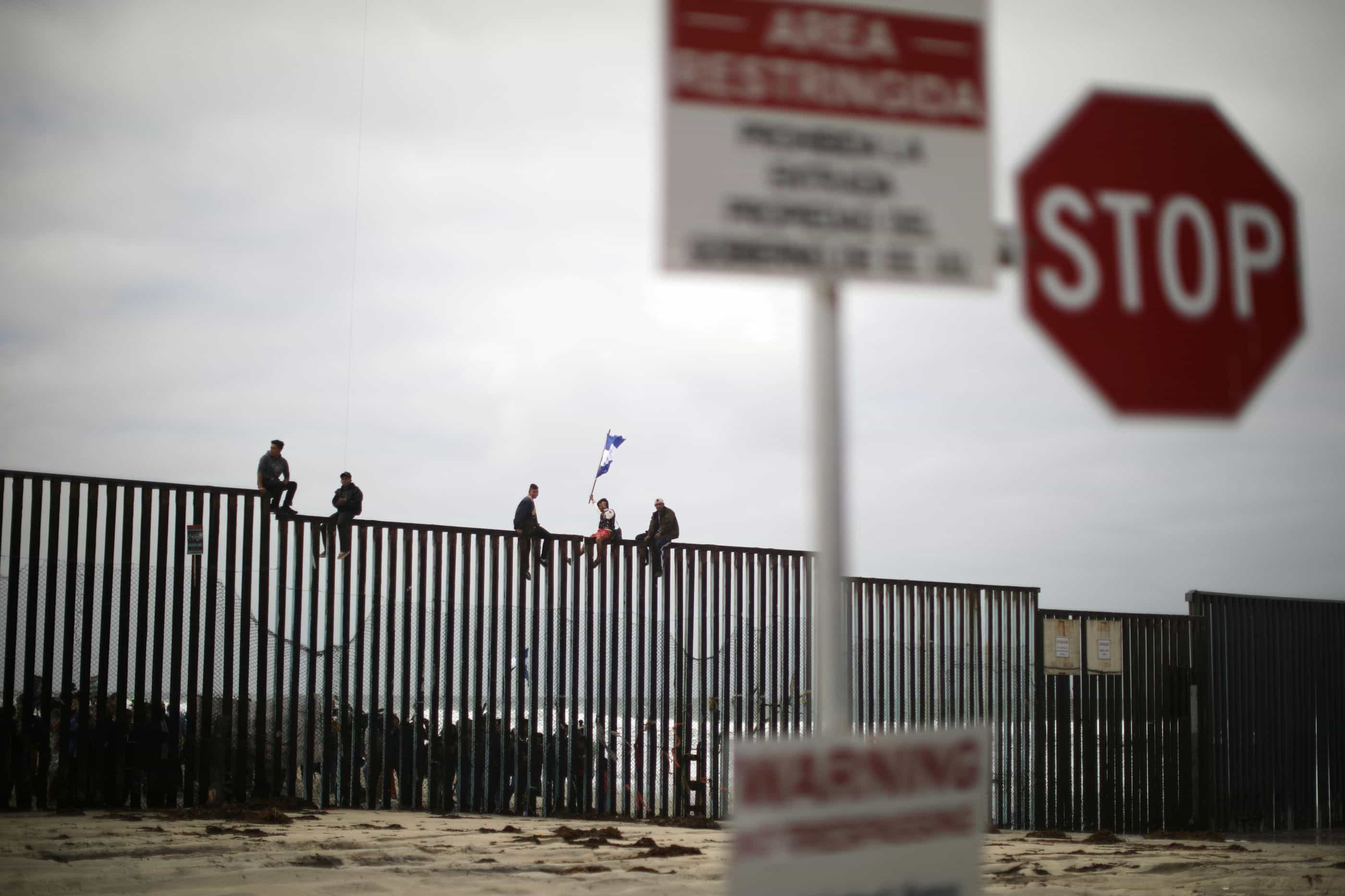 Líder de milícia na fronteira EUA-México detido por posse de armas