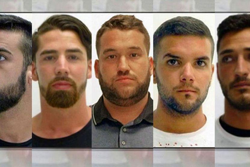 Os cinco membros de 'La Manada' continuam em liberdade condicional