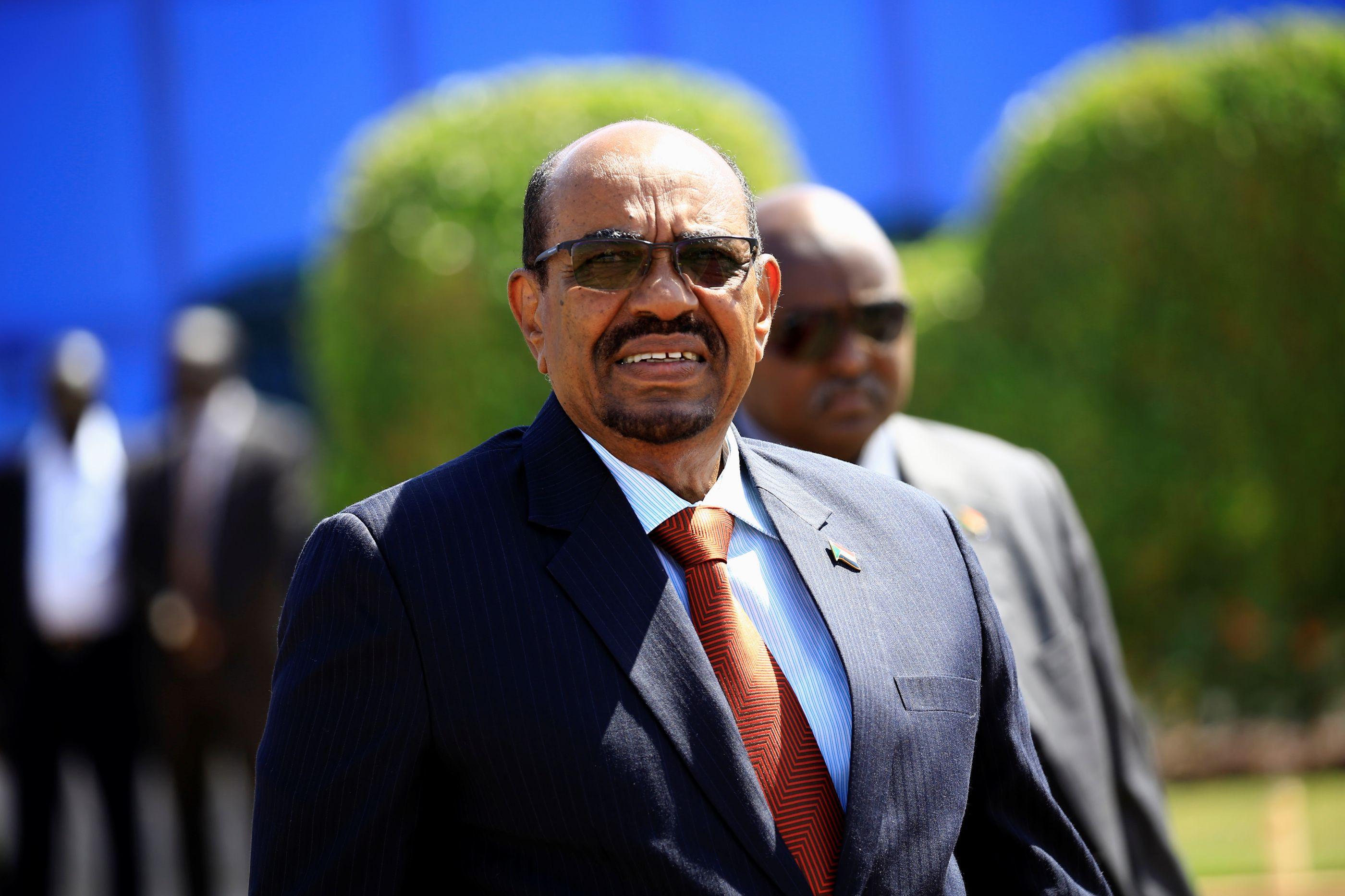 Ministro da defesa sudanês anuncia detenção do presidente Omar al-Bashir