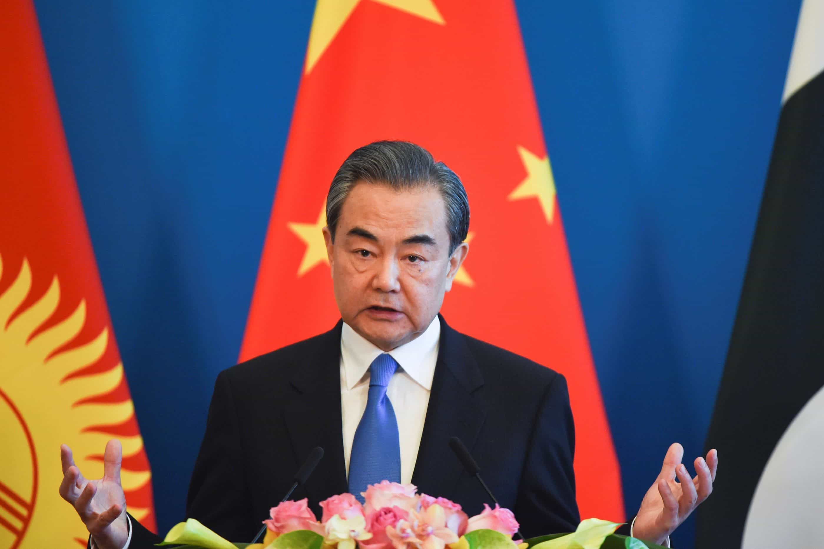 China pede aos EUA para evitarem medidas contra interesses de Pequim
