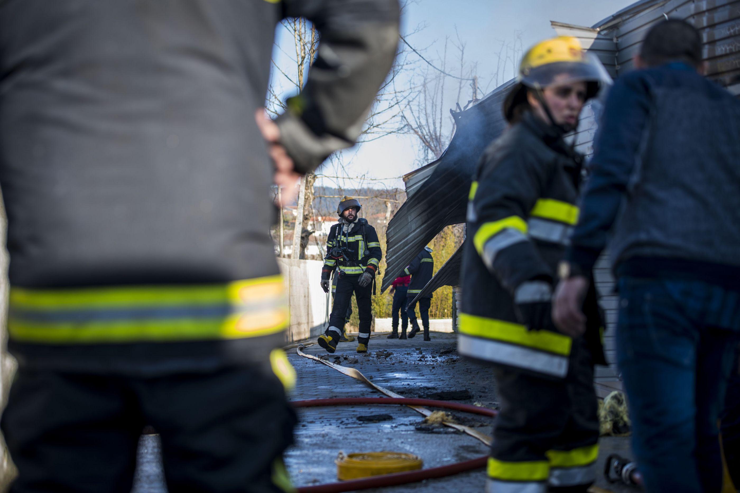 Um morto em incêndio numa habitação em Aveiro