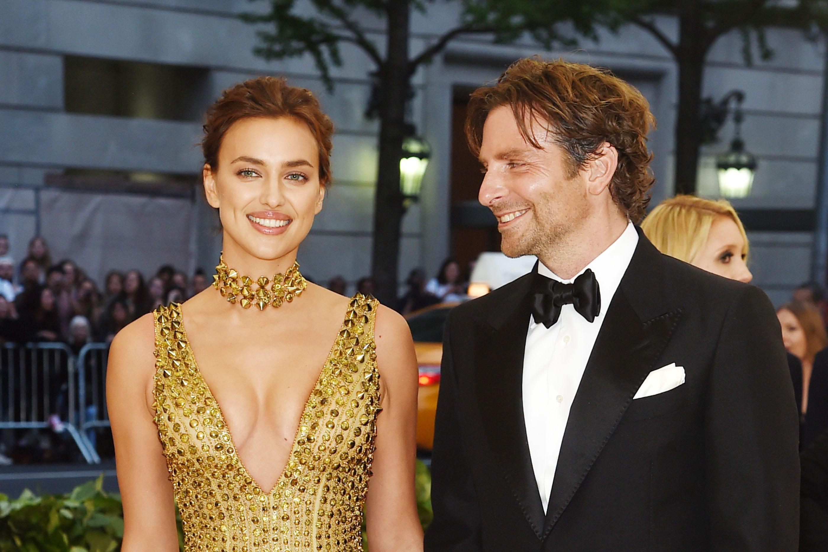 Irina Shayk e Bradley Cooper 'apanhados' a levar a filha a festa de anos