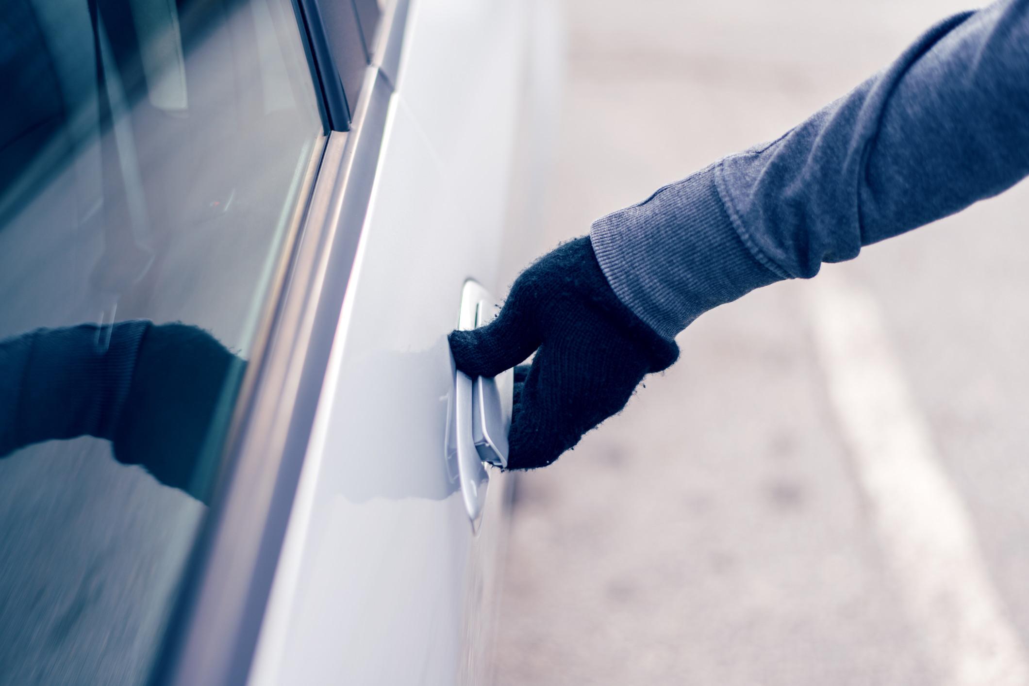 Tem 21 anos e foi detido em flagrante a roubar carro em Argoncilhe