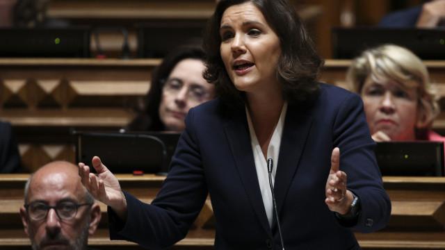 Cristas e Costas concordam em discordar sobre criação de imposto europeu