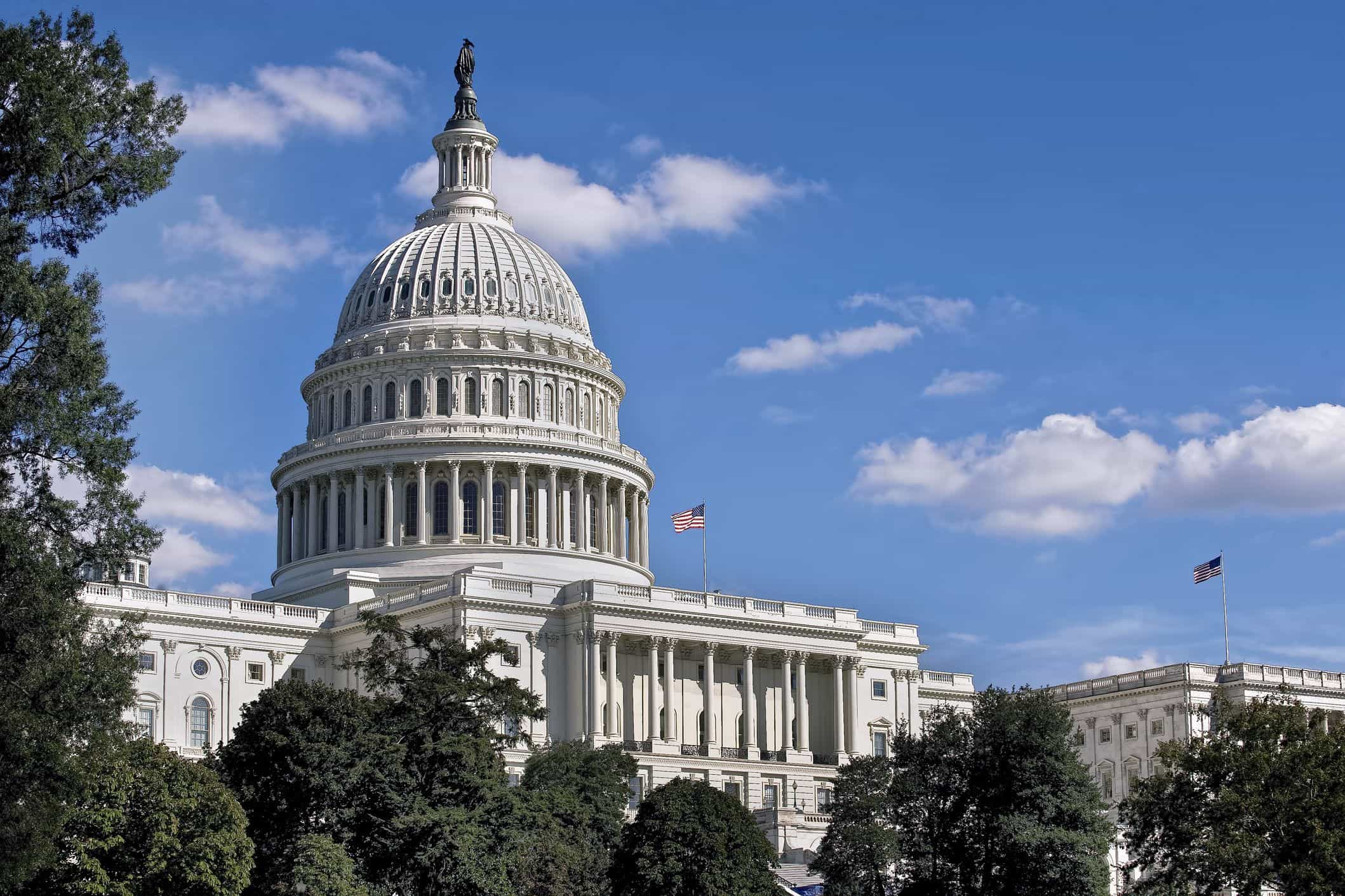 Democratas continuam a aumentar vantagem nas recontagens de votos
