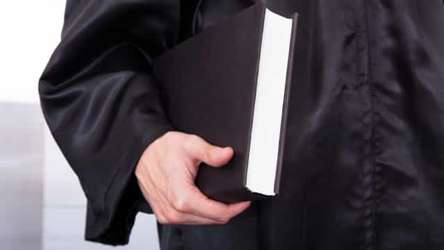 Alterada lei que permite deputados continuarem em sociedades de advogados