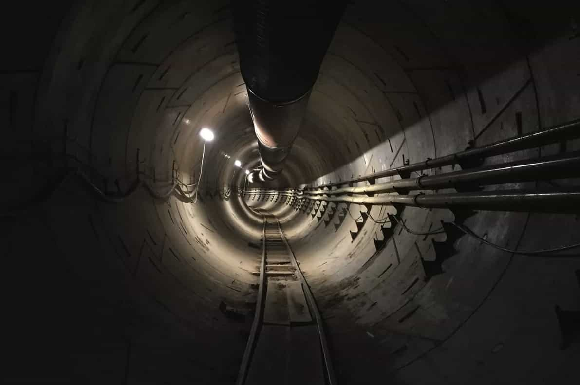 Elon Musk apresenta primeiro túnel da Boring Company. Veja o vídeo