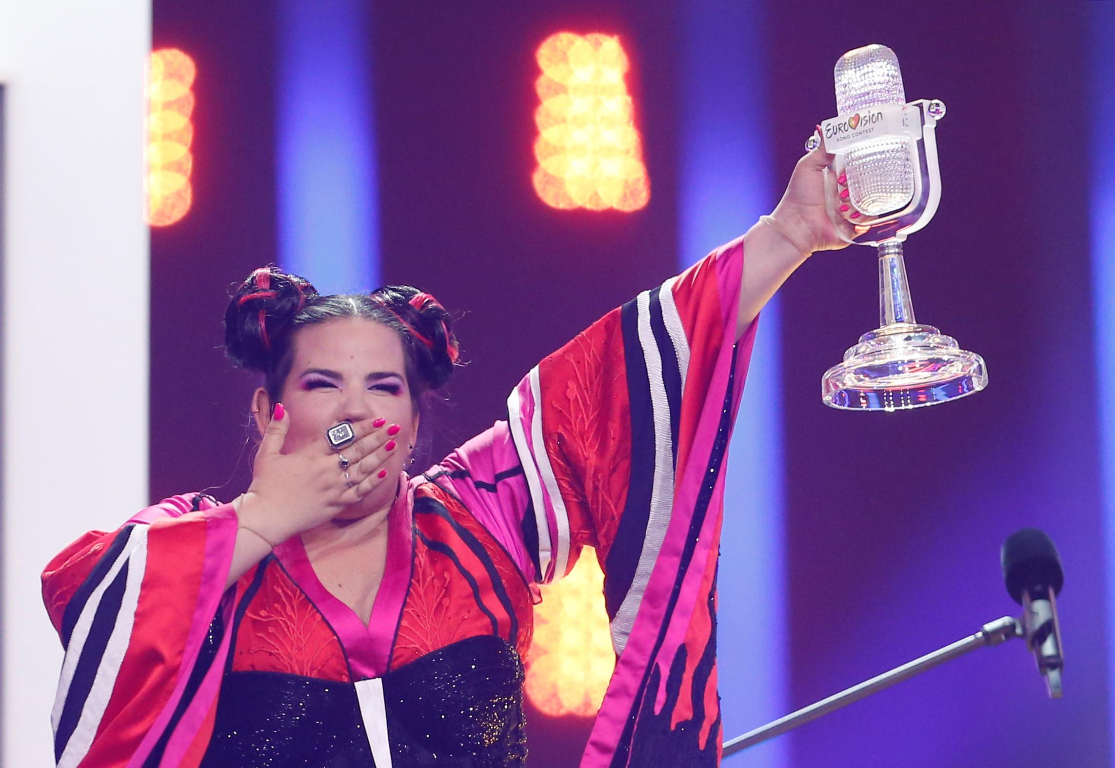Jack White creditado como co-autor da música vencedora da Eurovisão