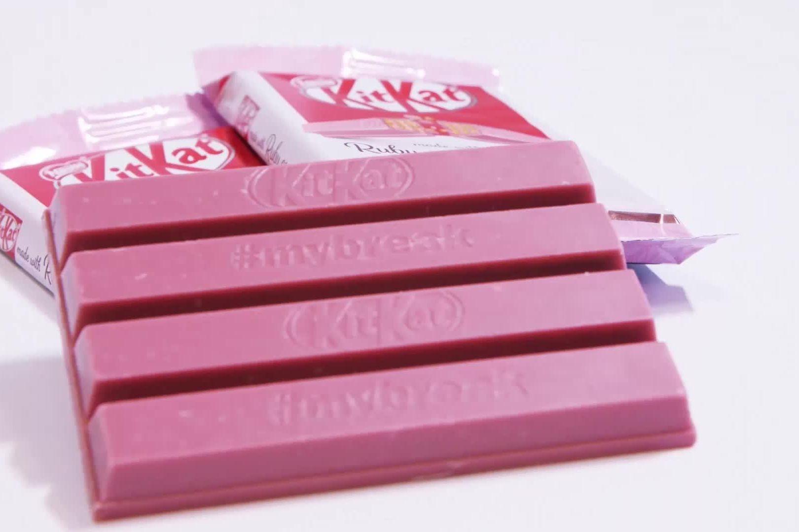 O kit kat cor de rosa chega esta semana aos supermercados portugueses