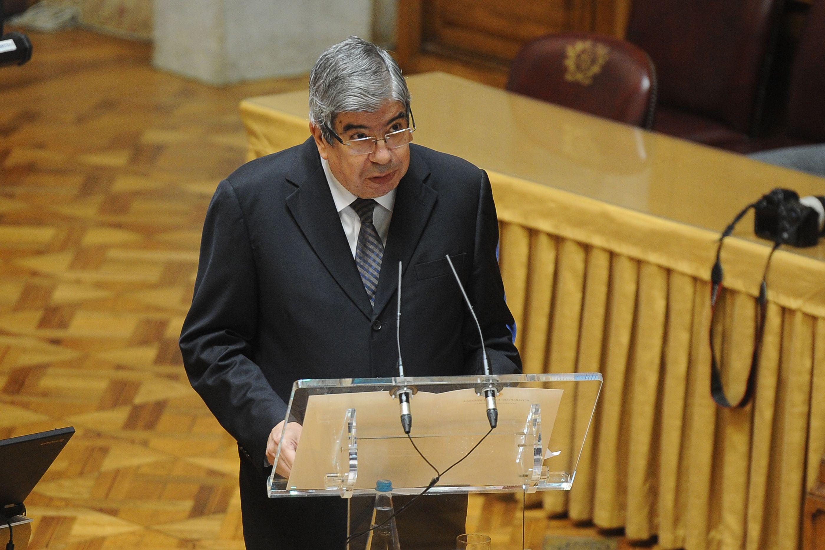 Parlamento aprova voto de pesar apresentado por Ferro Rodrigues