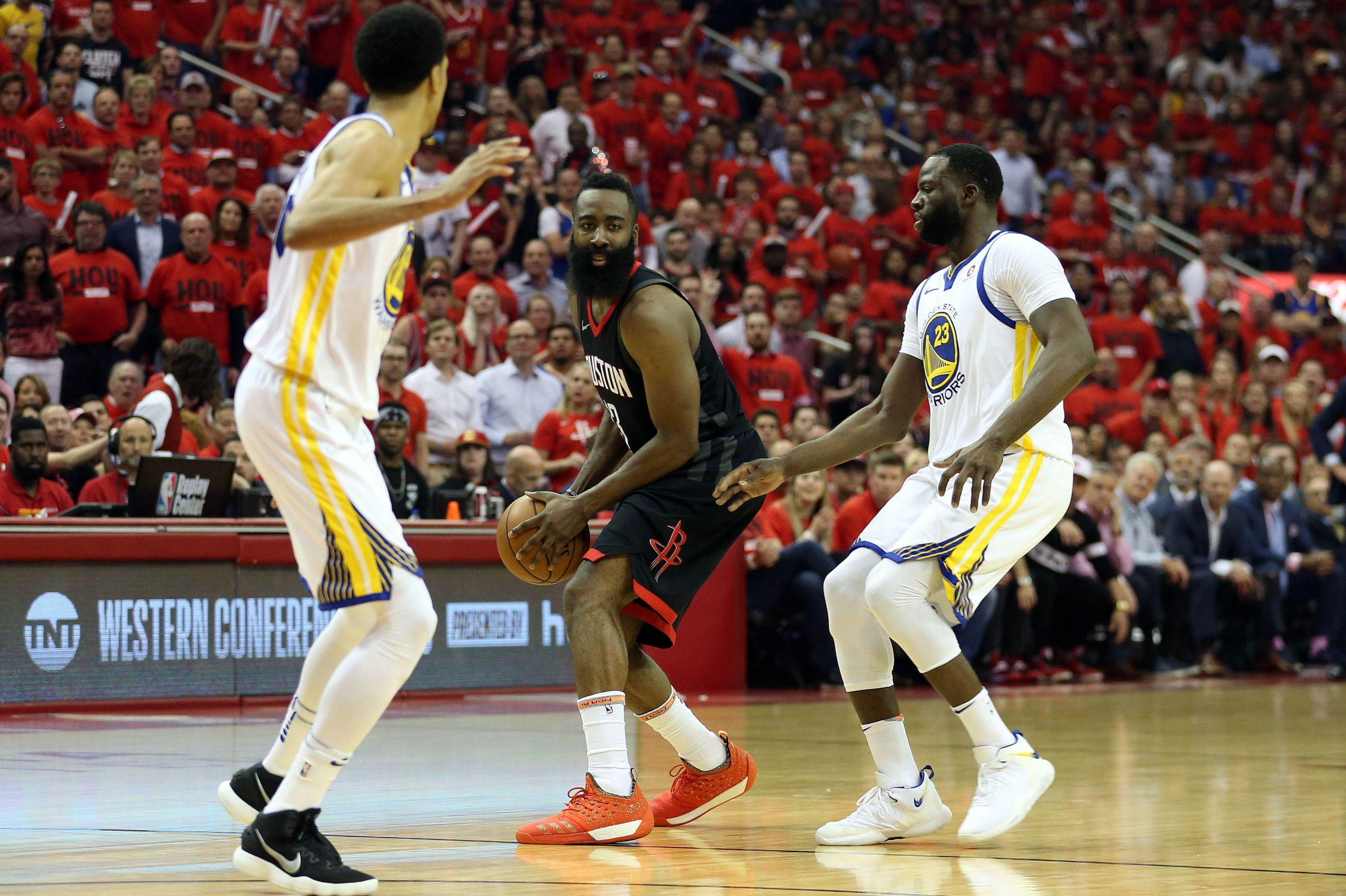 Rockets batem Warriors e empatam final da Conferência Oeste