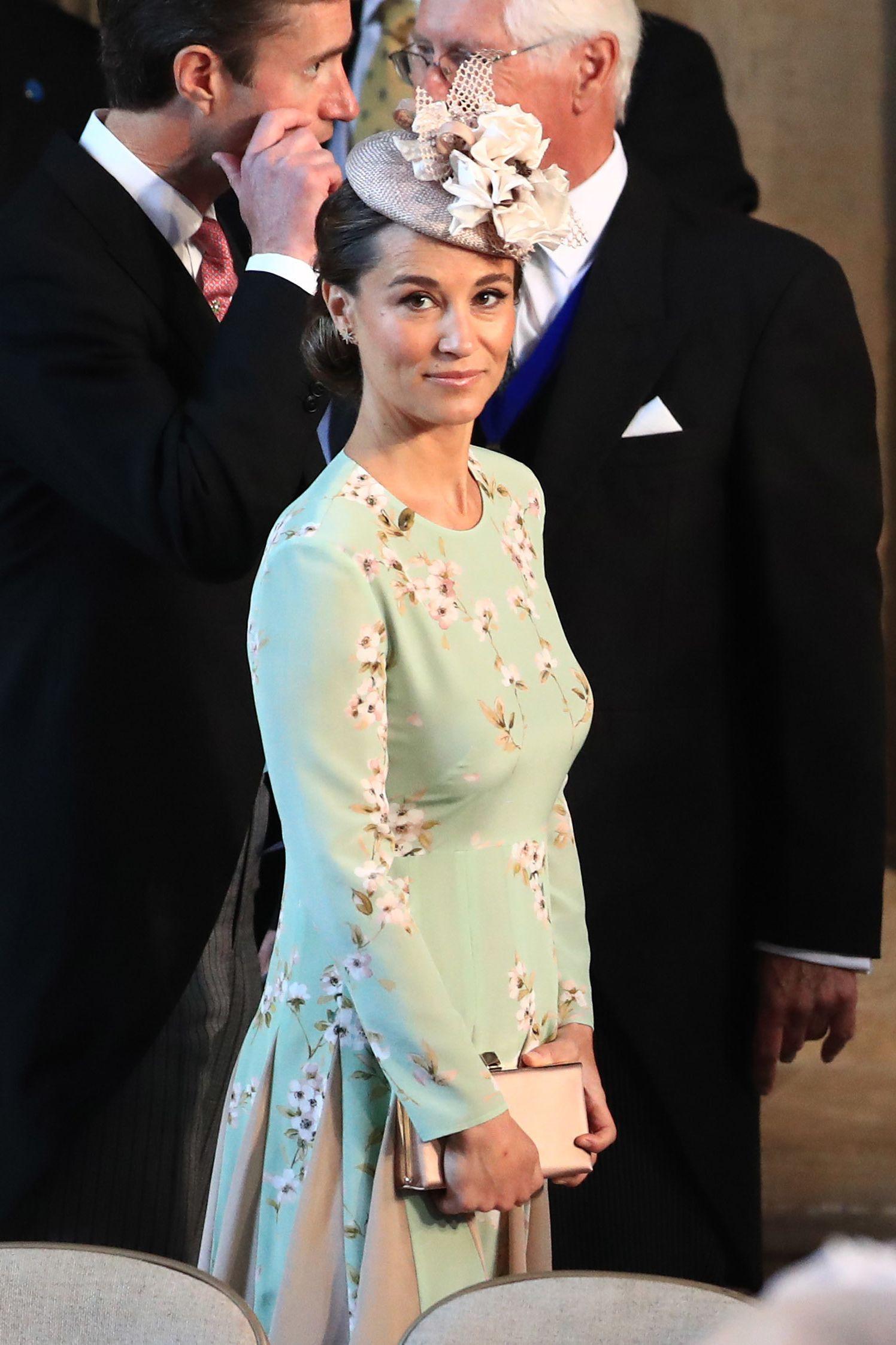 Pippa Middleton volta a passear com o filho recém-nascido