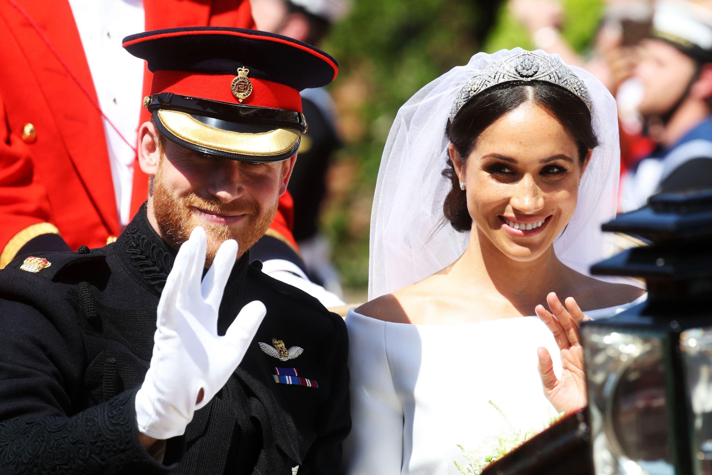 É oficial: Meghan Markle e Harry vão deixar o palácio de Kensington