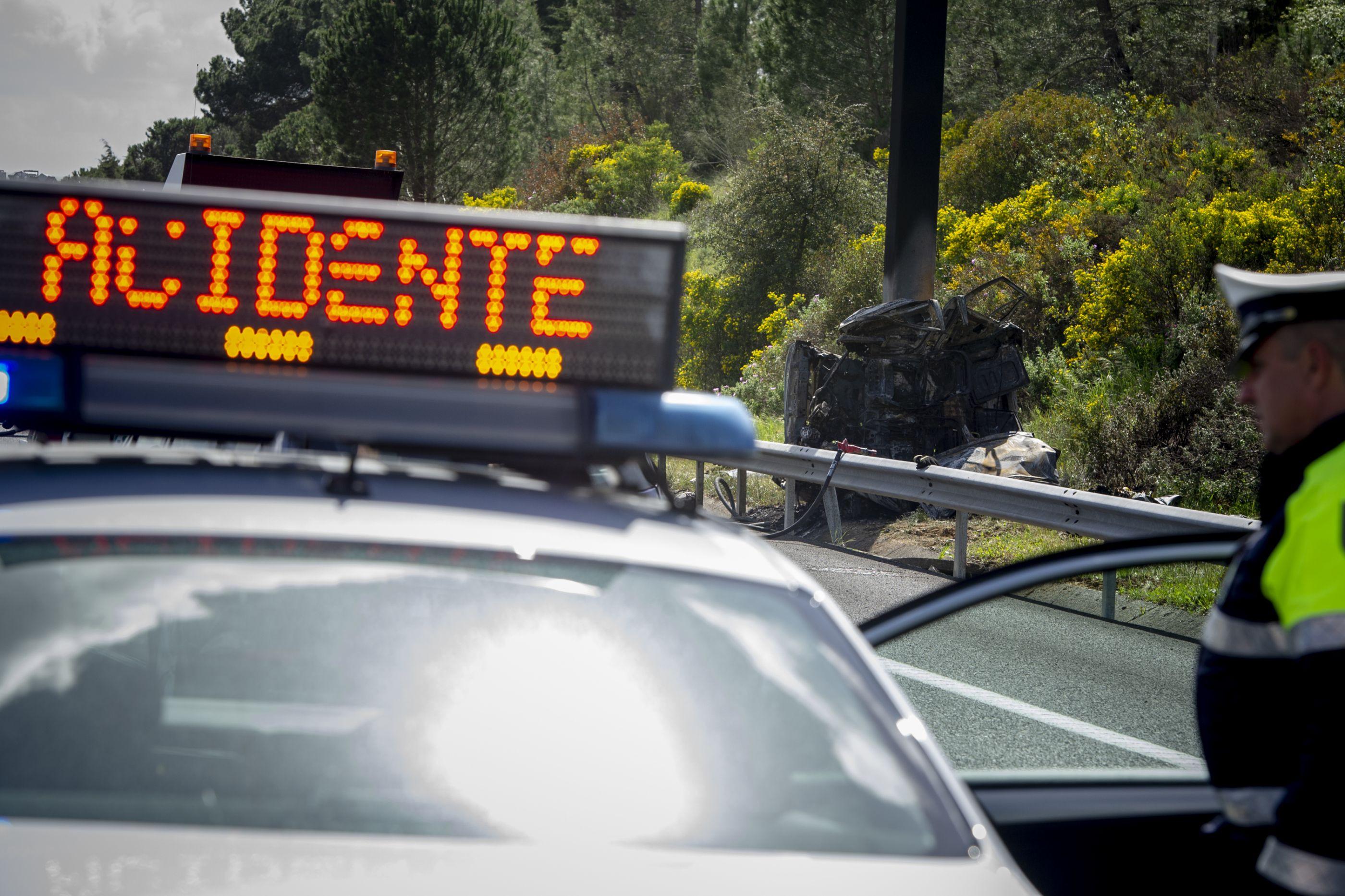 Despiste faz um morto em Portalegre. Carro bateu contra poste da EDP