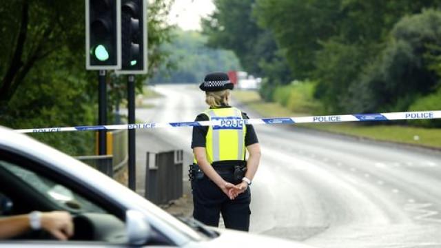 Morre atropelado por carro da polícia na noite de Natal em Liverpool