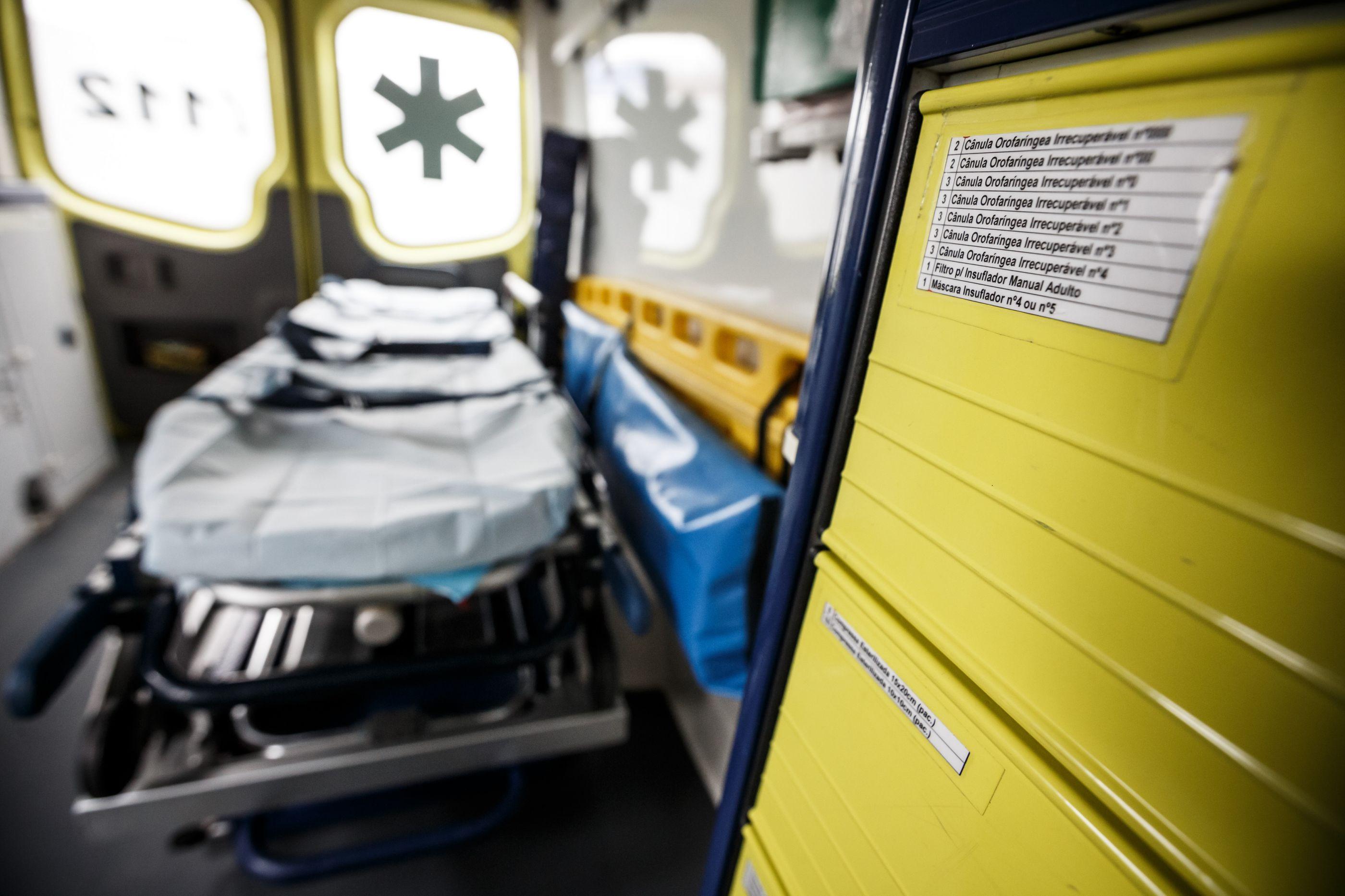 Sintra: Homem atropela ex-companheira com filha da vítima no carro