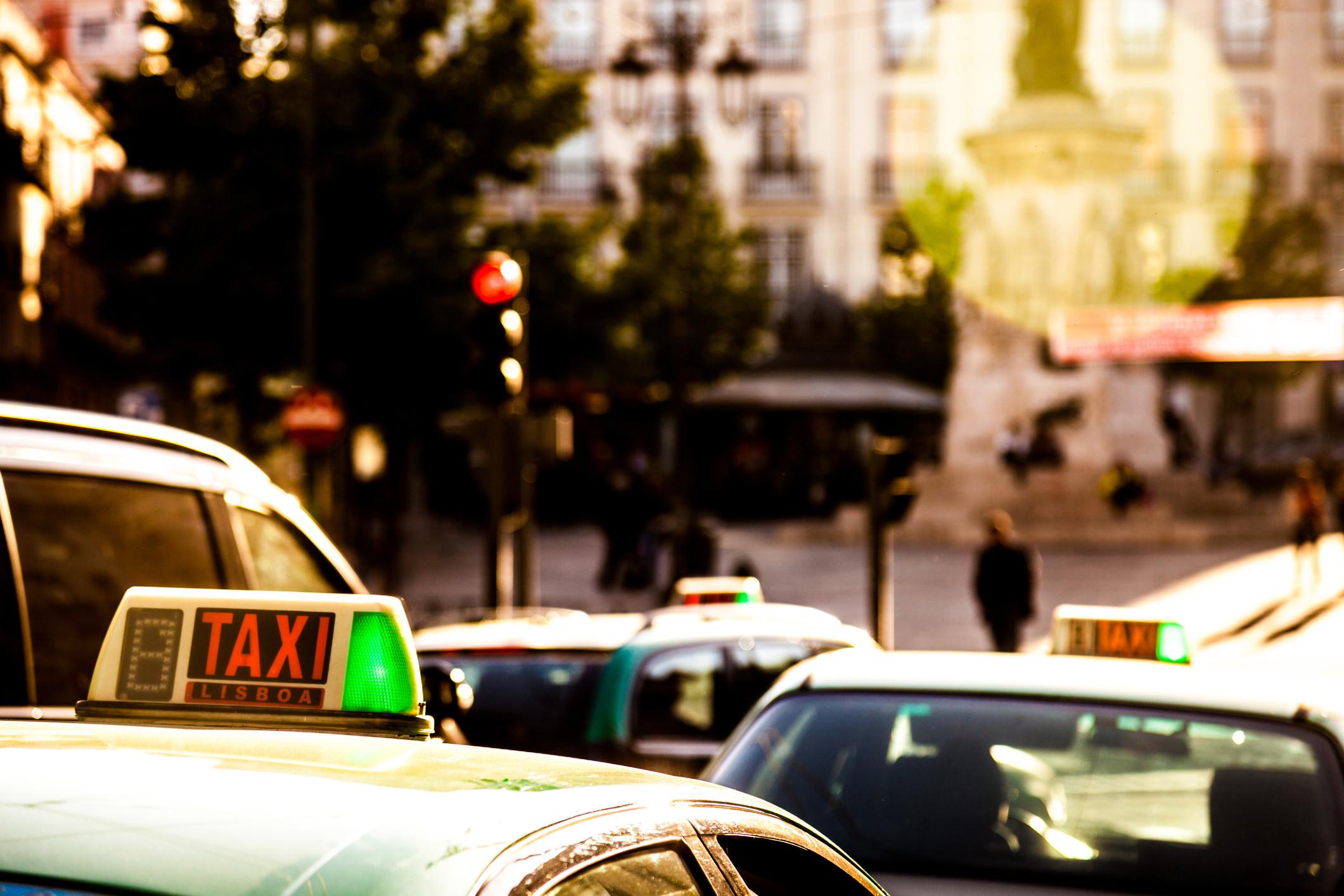 PSP deteve quatro homens na sequência de roubos a taxistas