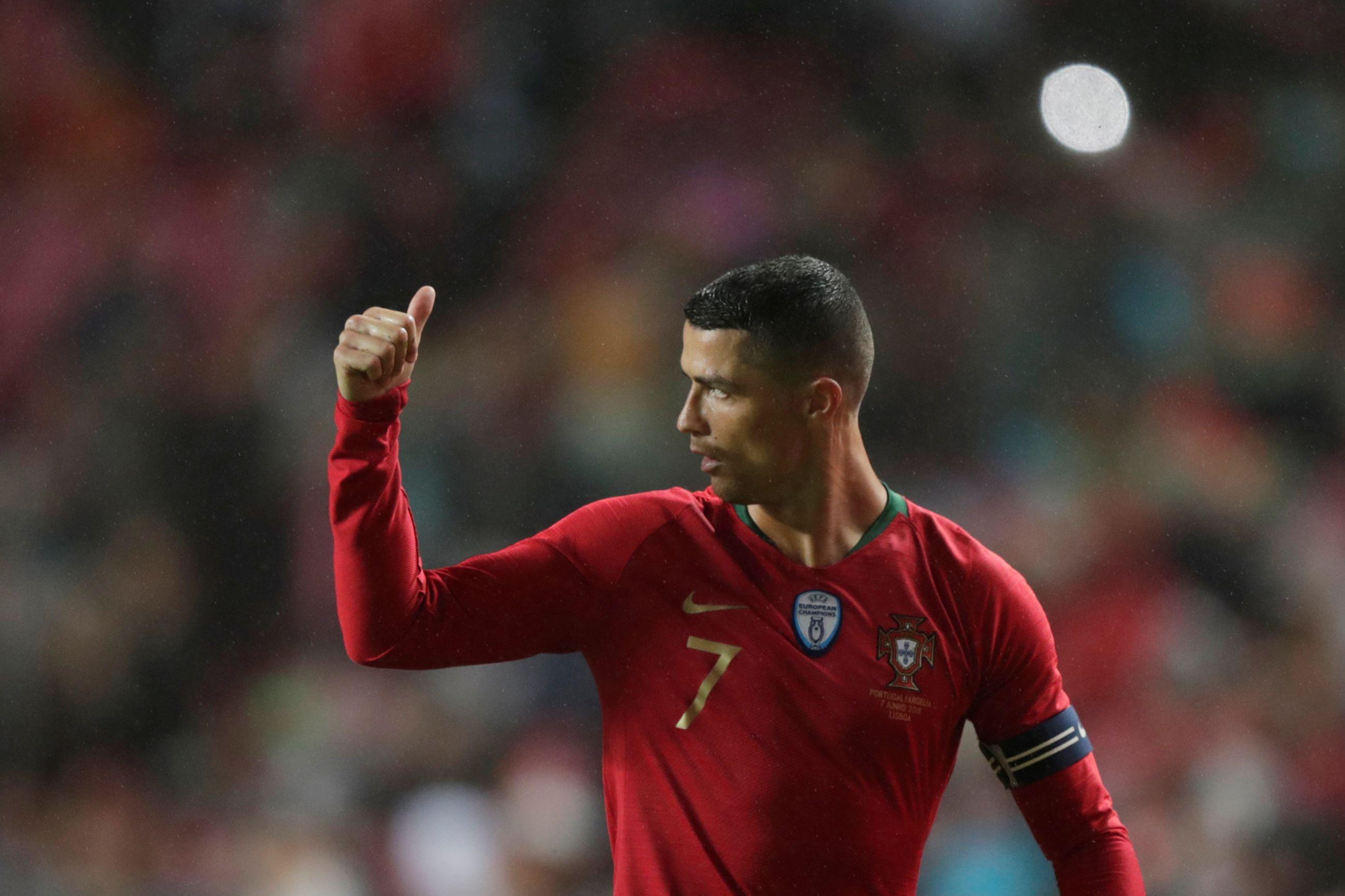 Ronaldo deixa mensagem à seleção horas antes do confronto em Itália