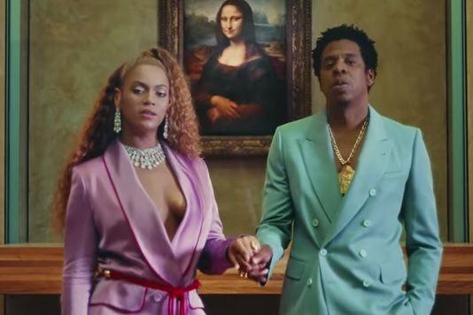 Louvre atinge número recorde de visitantes graças a Beyoncé e Jay-Z