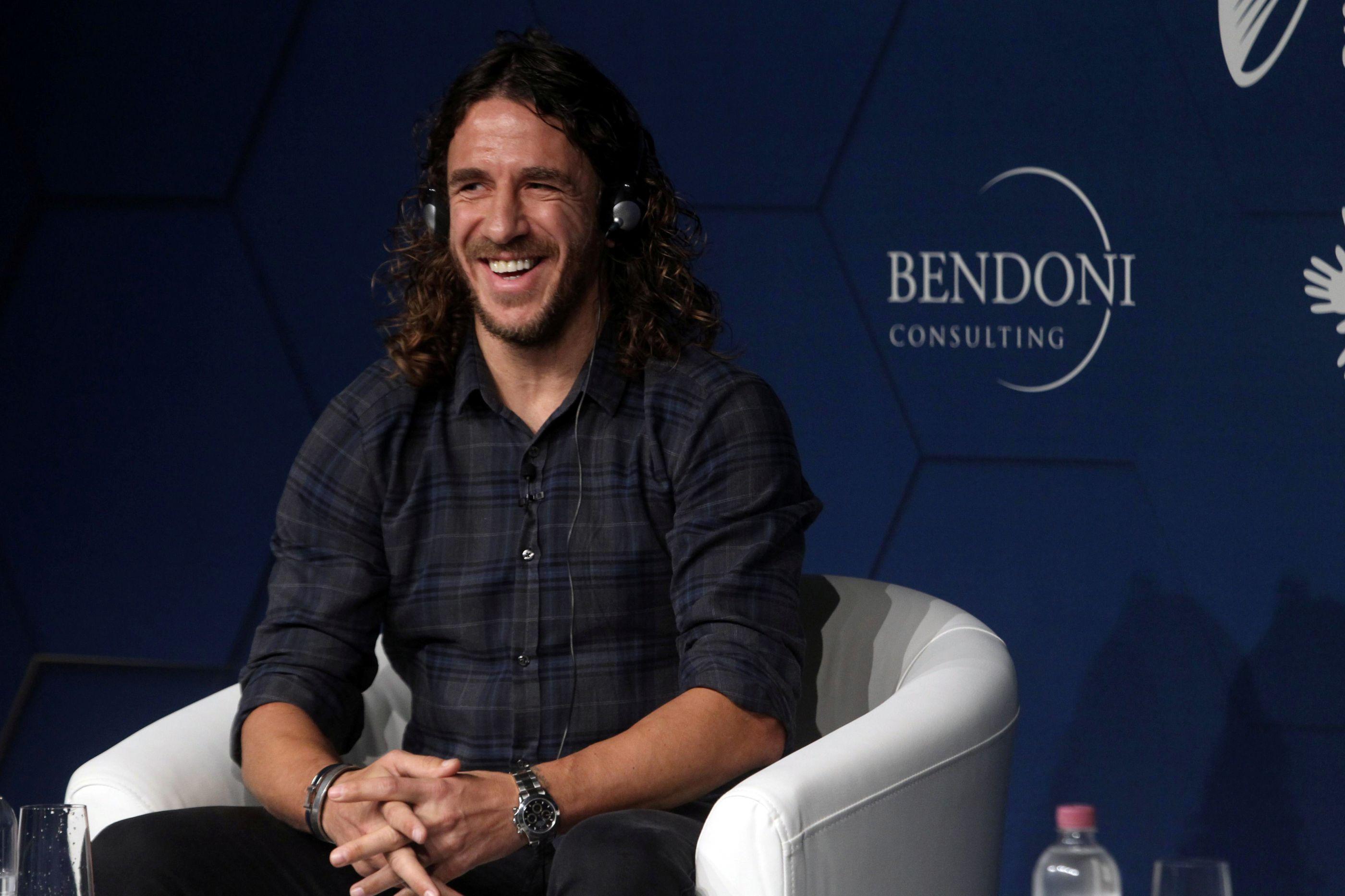 Puyol abre o livro: Da 'guerra' CR7-Messi à 'traição' de Figo