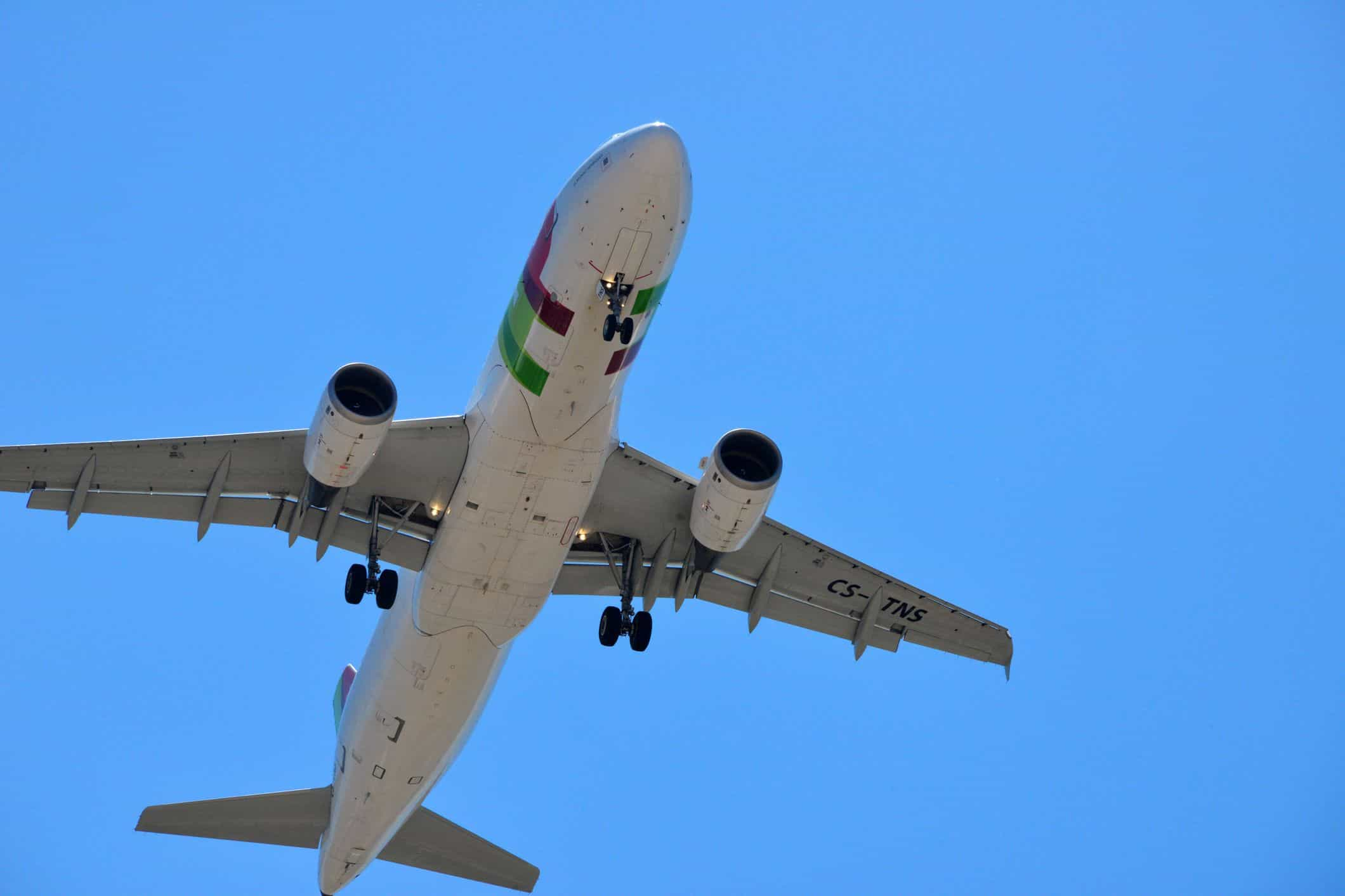 Voo da TAP regressa a Lisboa após descolagem devido a fumo na cabina