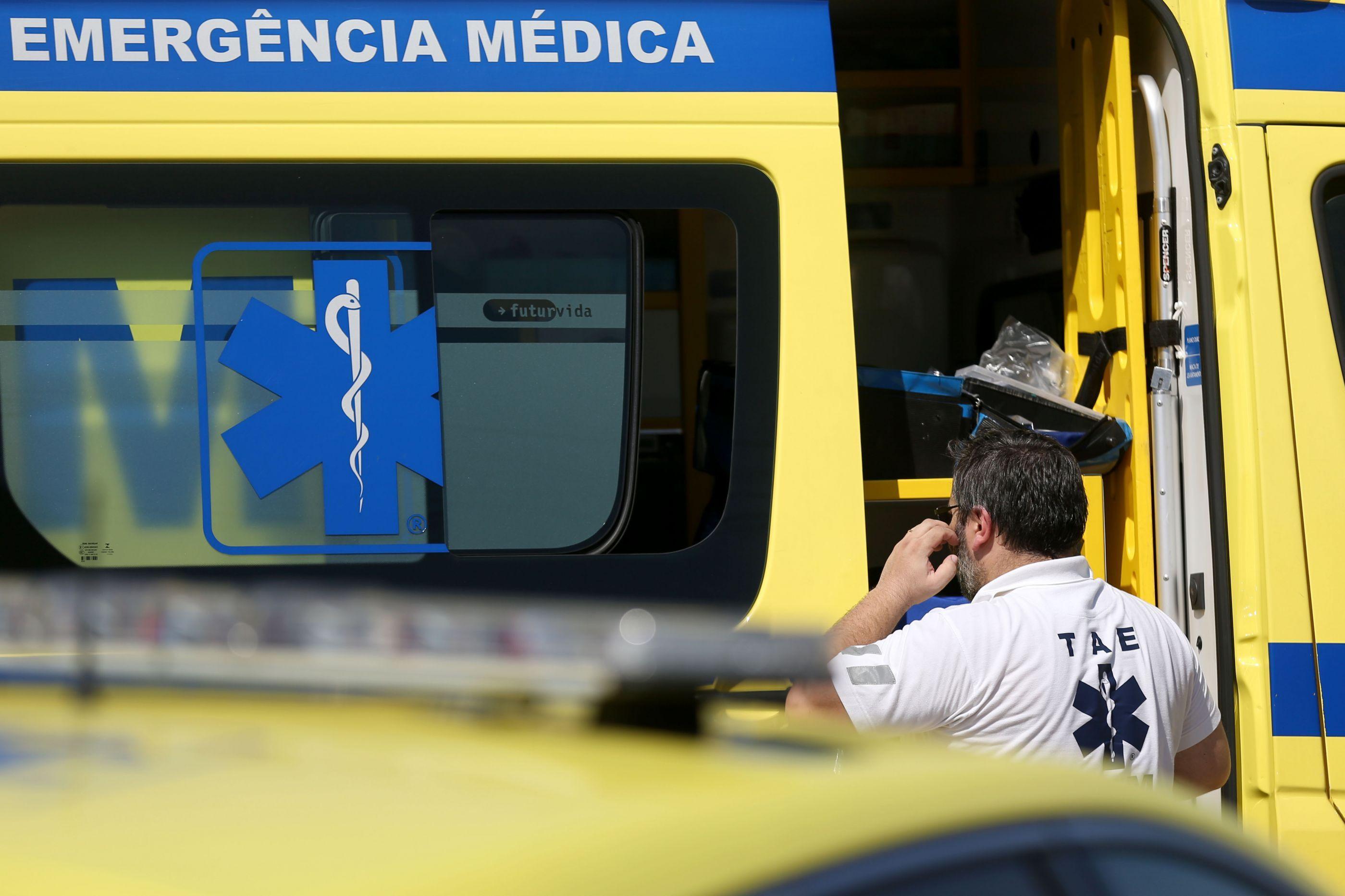 Colisão em Sines faz um morto e cinco feridos. Trânsito cortado