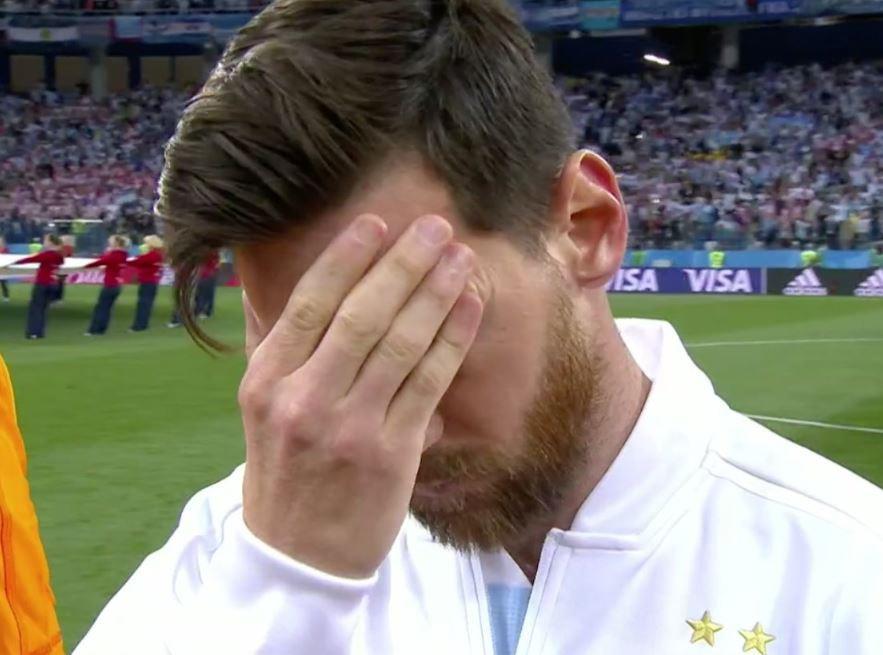 A expressão de Messi durante hino argentino já corre mundo
