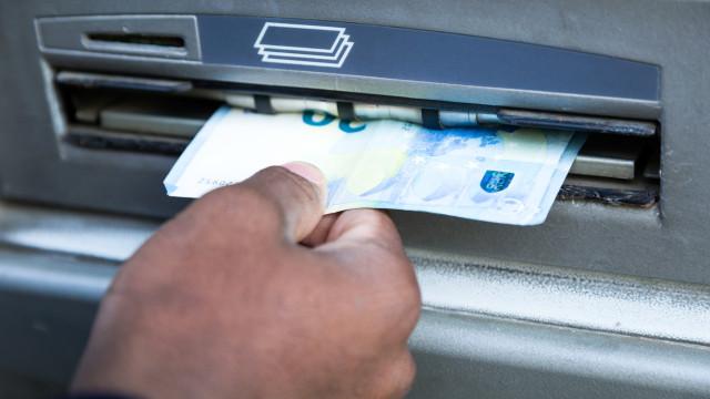 As imagens do rebentamento de caixas de multibanco em Espanha