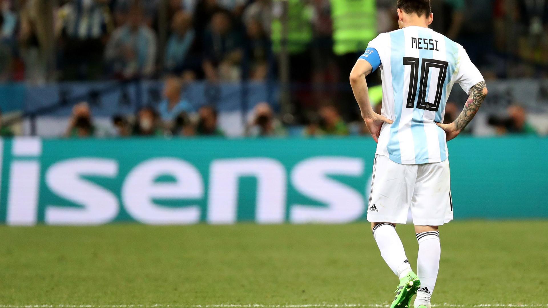 b39301153a7de Saviola defende Messi