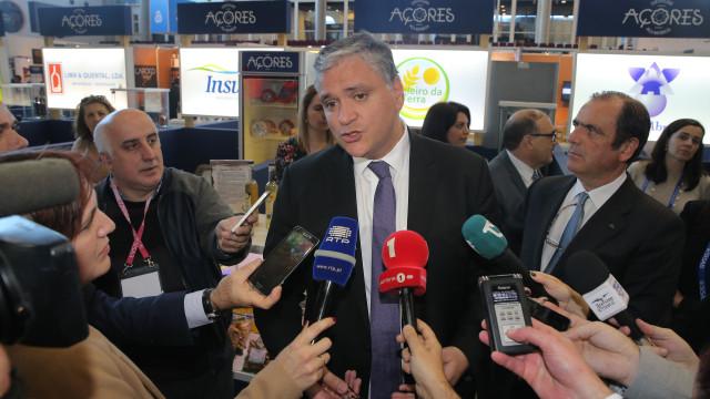 """Governo dos Açores acusa líder do PSD de """"má fé"""" na devolução de fundos"""