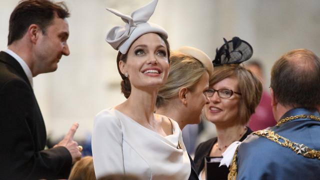 Angelina Jolie apaixonada por sobrinho da princesa Diana