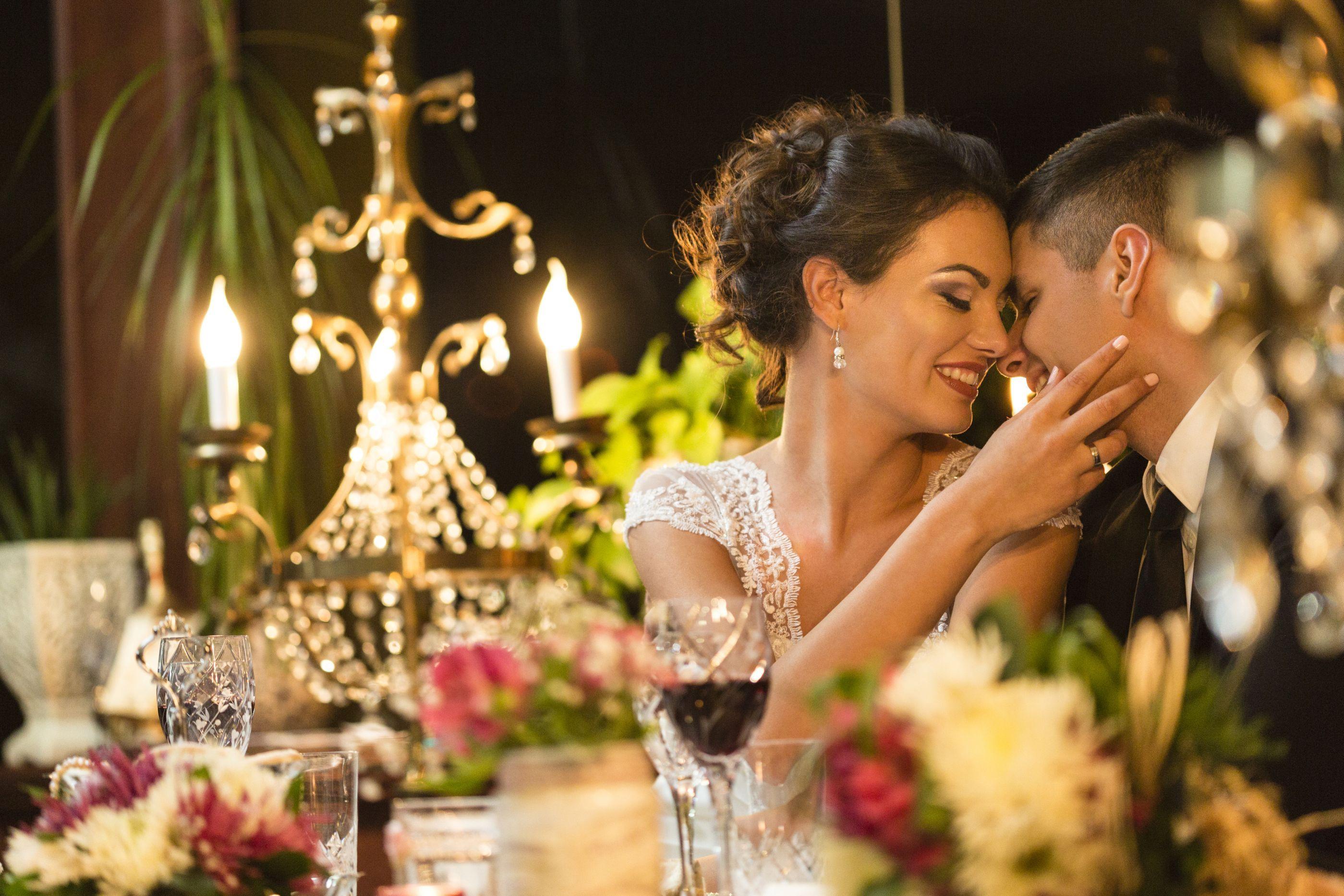 Quanto mais gasta no casamento maior é o risco de divórcio, diz estudo