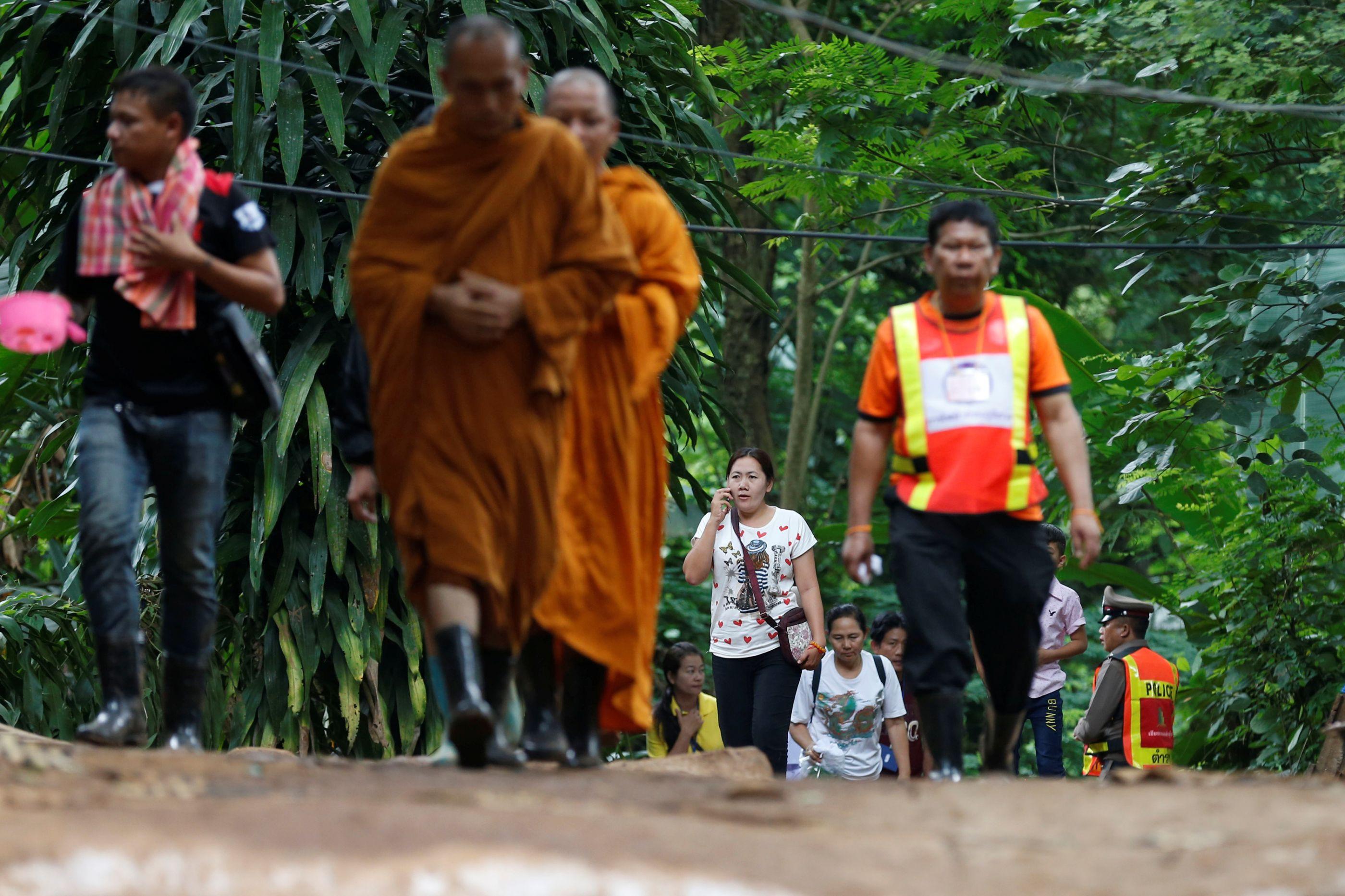 """Monges passaram fronteira para Tailândia para """"enviar energia holística"""""""