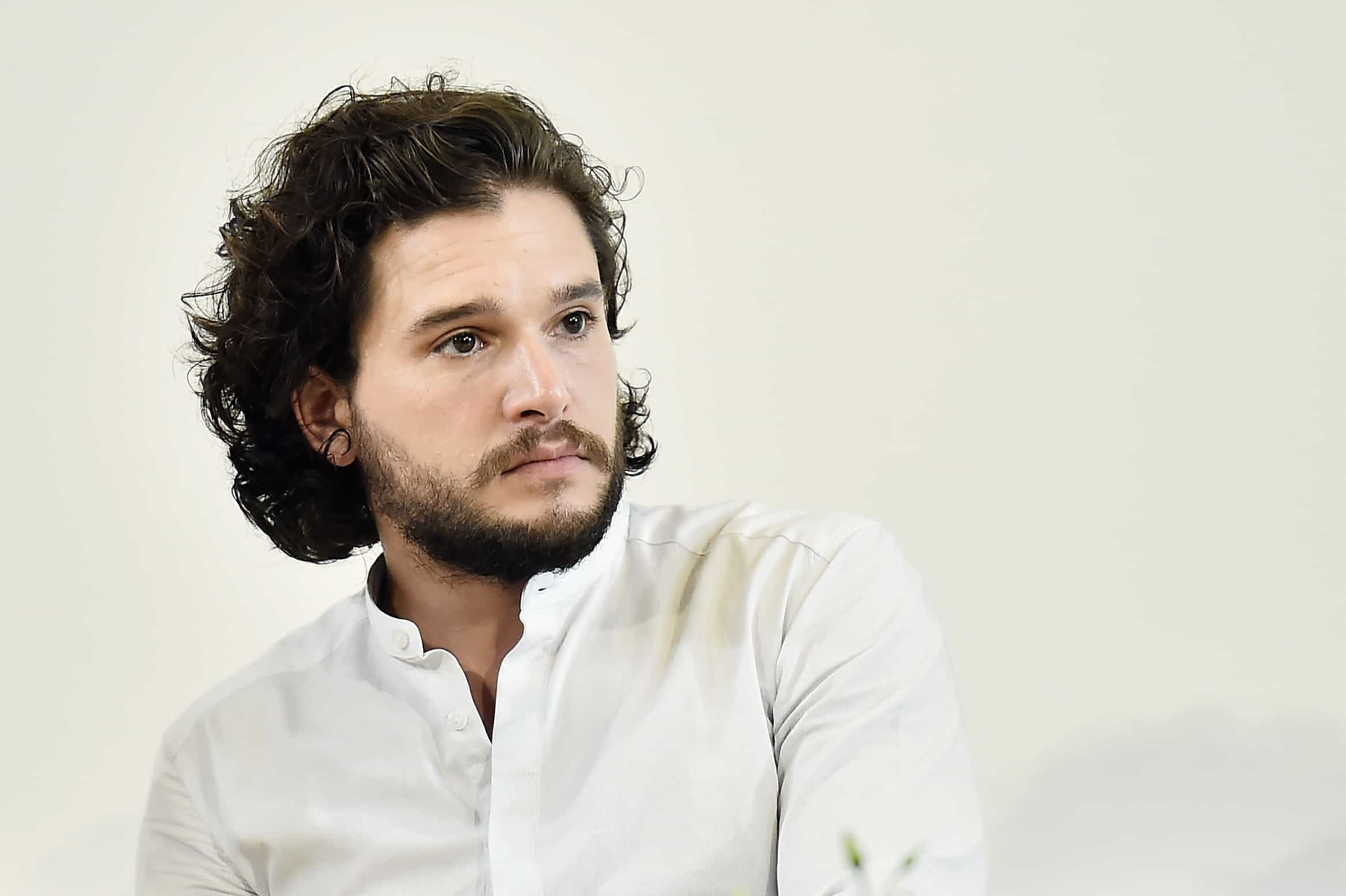Kit Harington cortou a barba e a internet 'chorou'