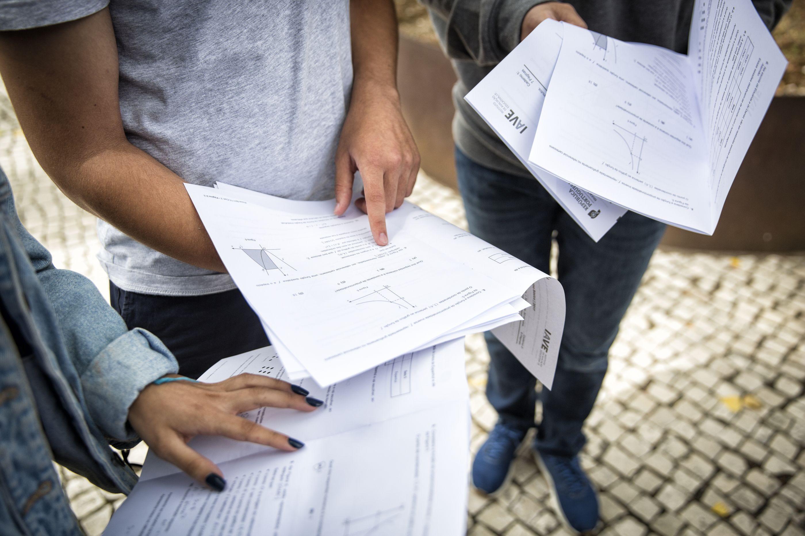 Exames: Subidas e descidas no 'ranking' de quase 300 lugares