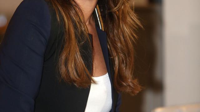 Bárbara Guimarães aparece pela primeira vez com o cabelo rapado