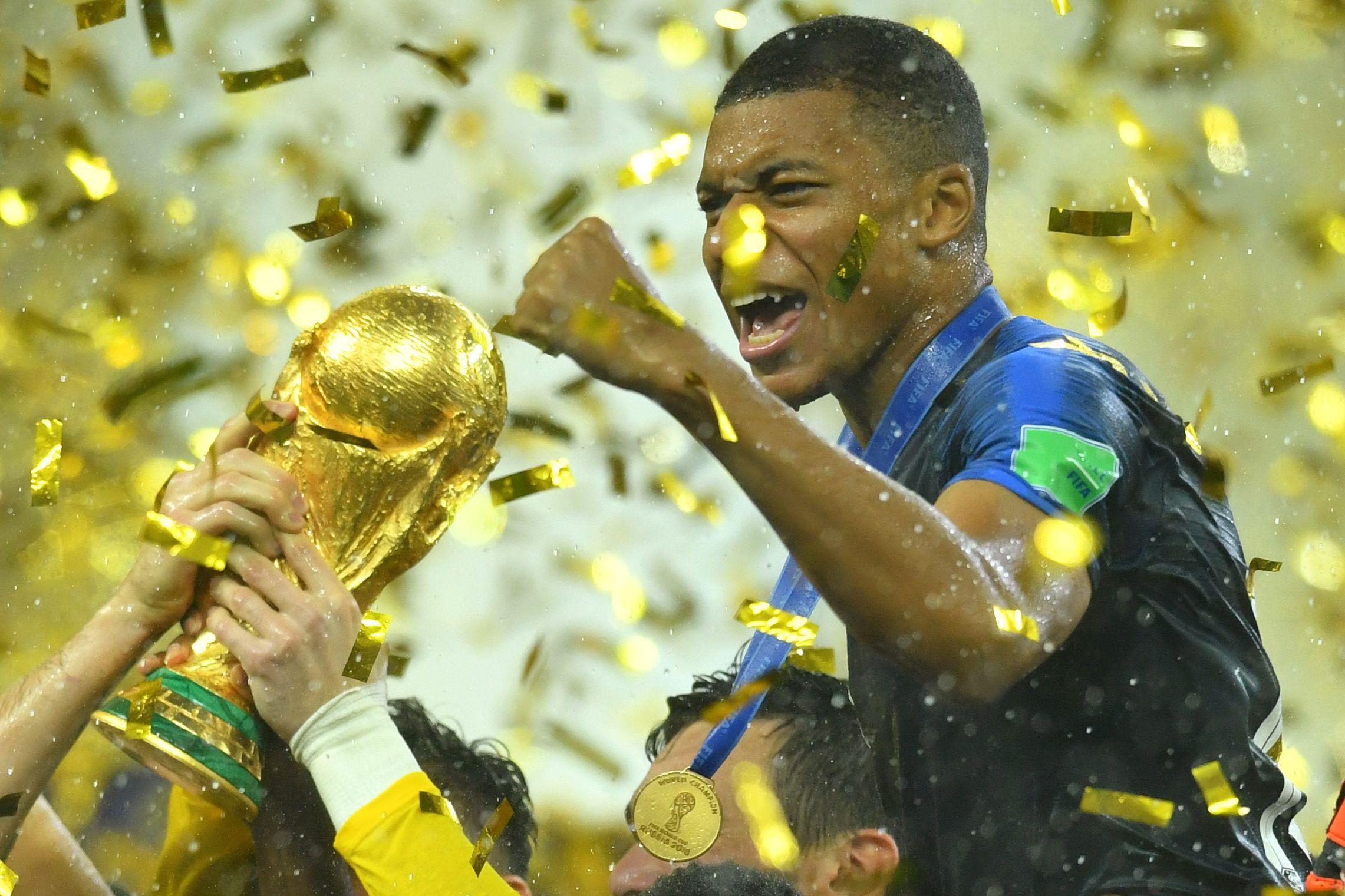 """""""Mbappé será muito superior a Ronaldo, vejo-o a conquistar mais prémios"""""""