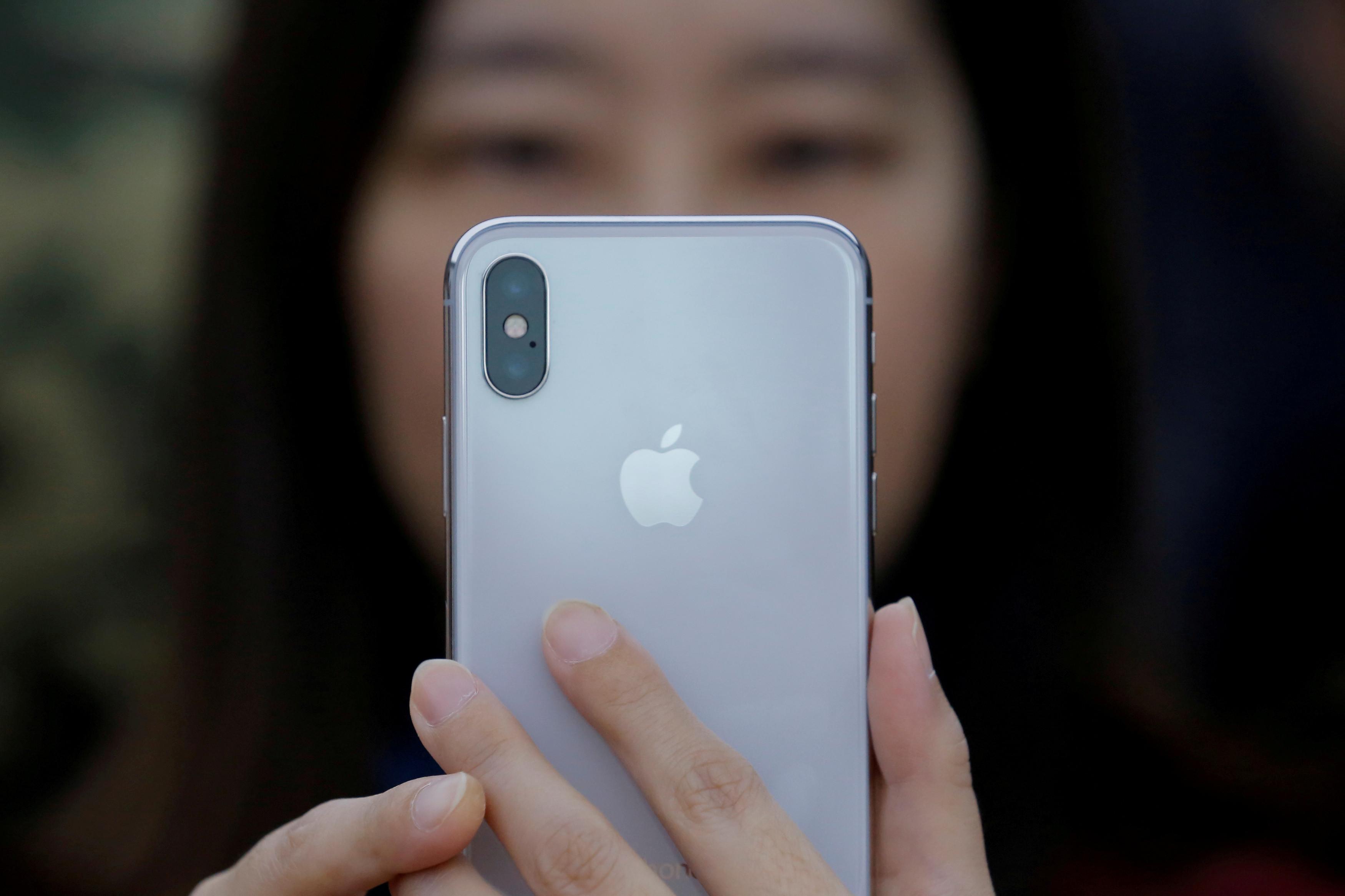 Galaxy S10 vs iPhone X. Quem 'ganha a corrida'?