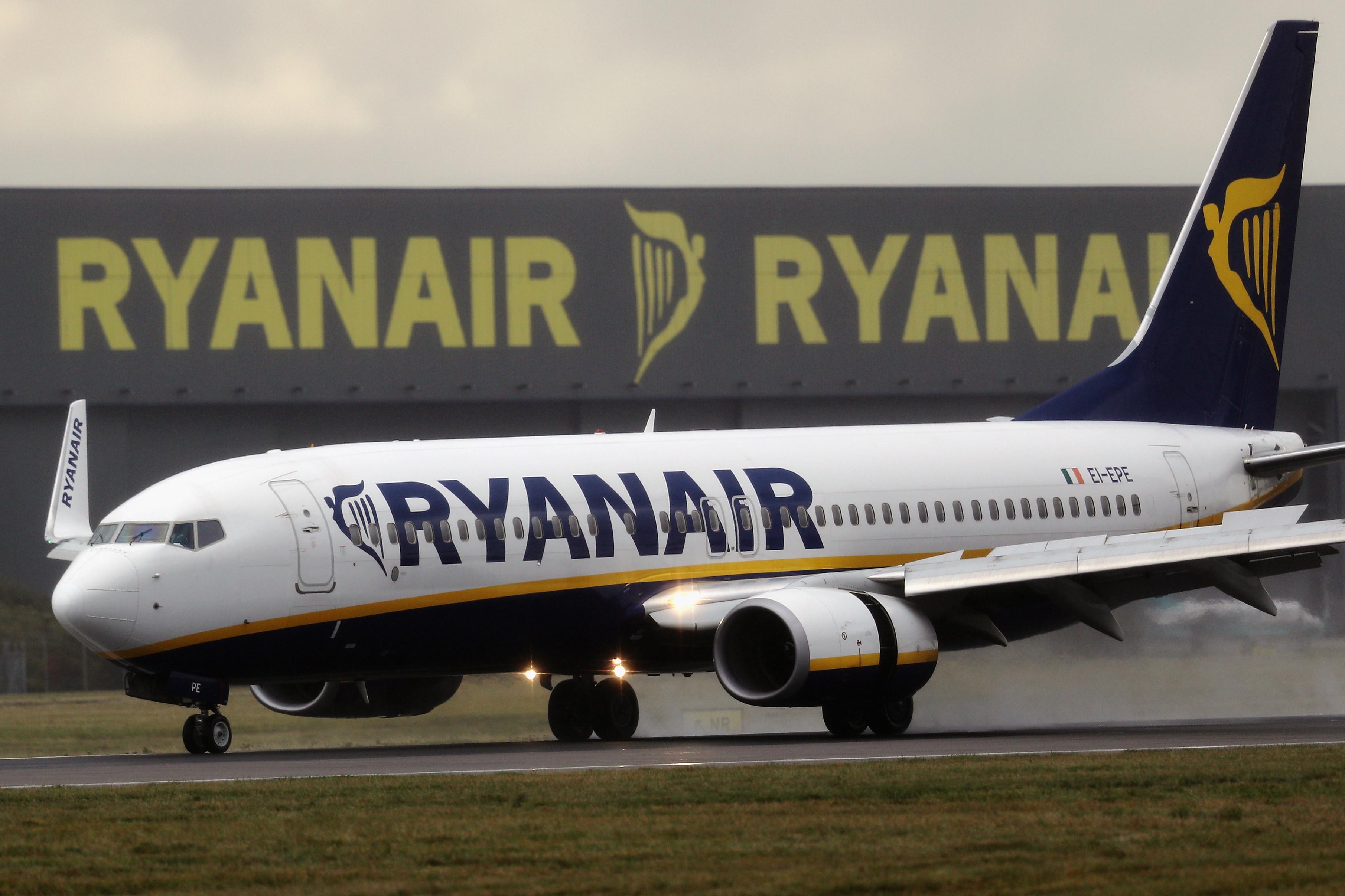Deco contesta cobrança pela Ryanair de 'check in' a passageiros