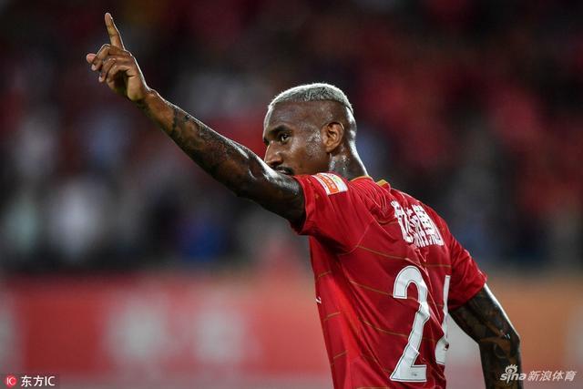 Oficial: Benfica vende Talisca
